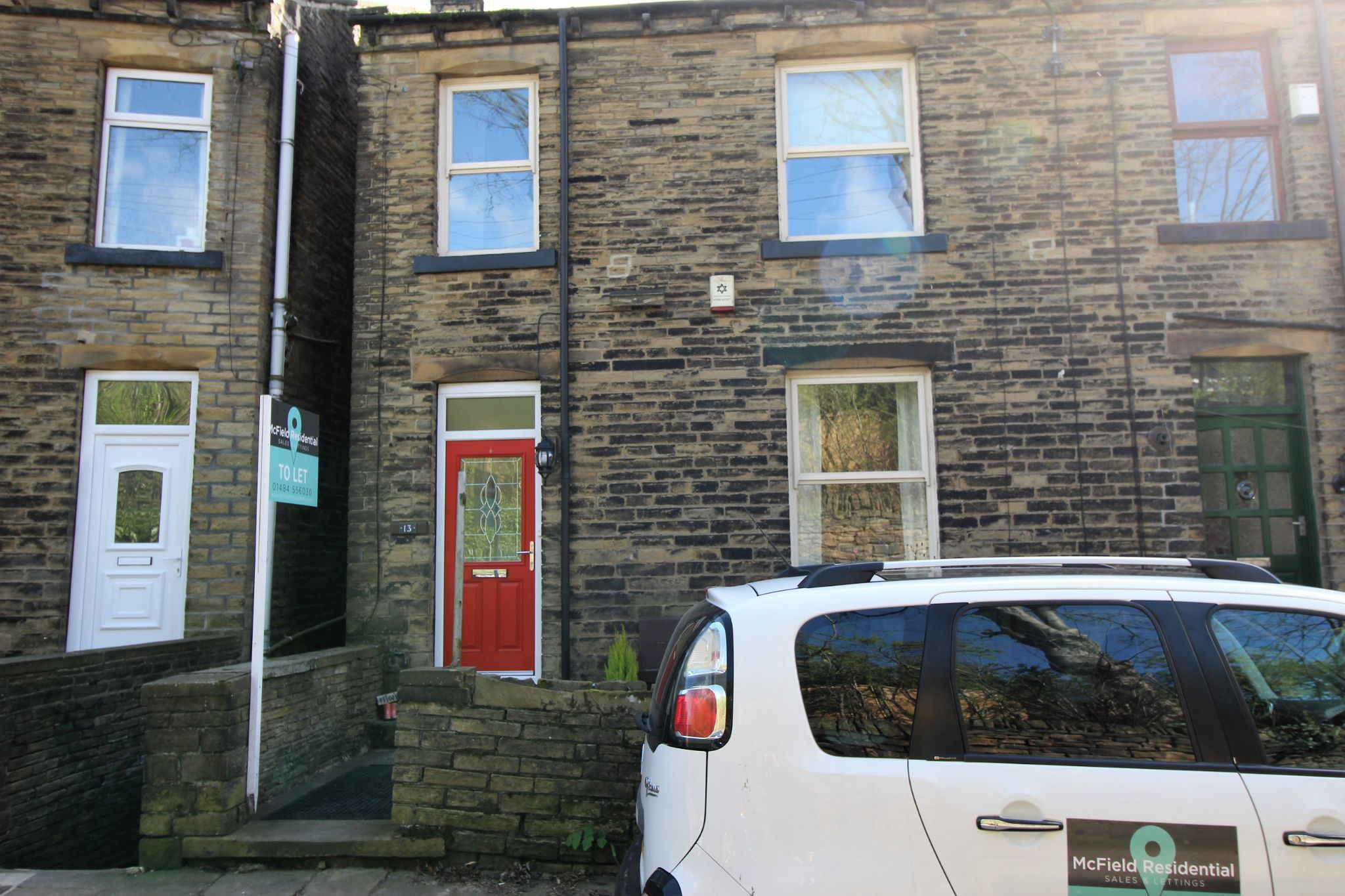 3 bedroom mid terraced house Let Agreed in Brighouse - Front aspect