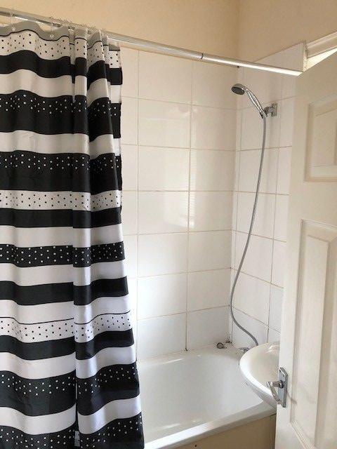 2 bedroom mid terraced house Reserved in Huddersfield - Bathroom
