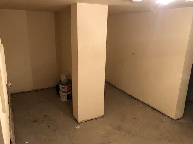 2 bedroom mid terraced house Reserved in Huddersfield - Cellar area