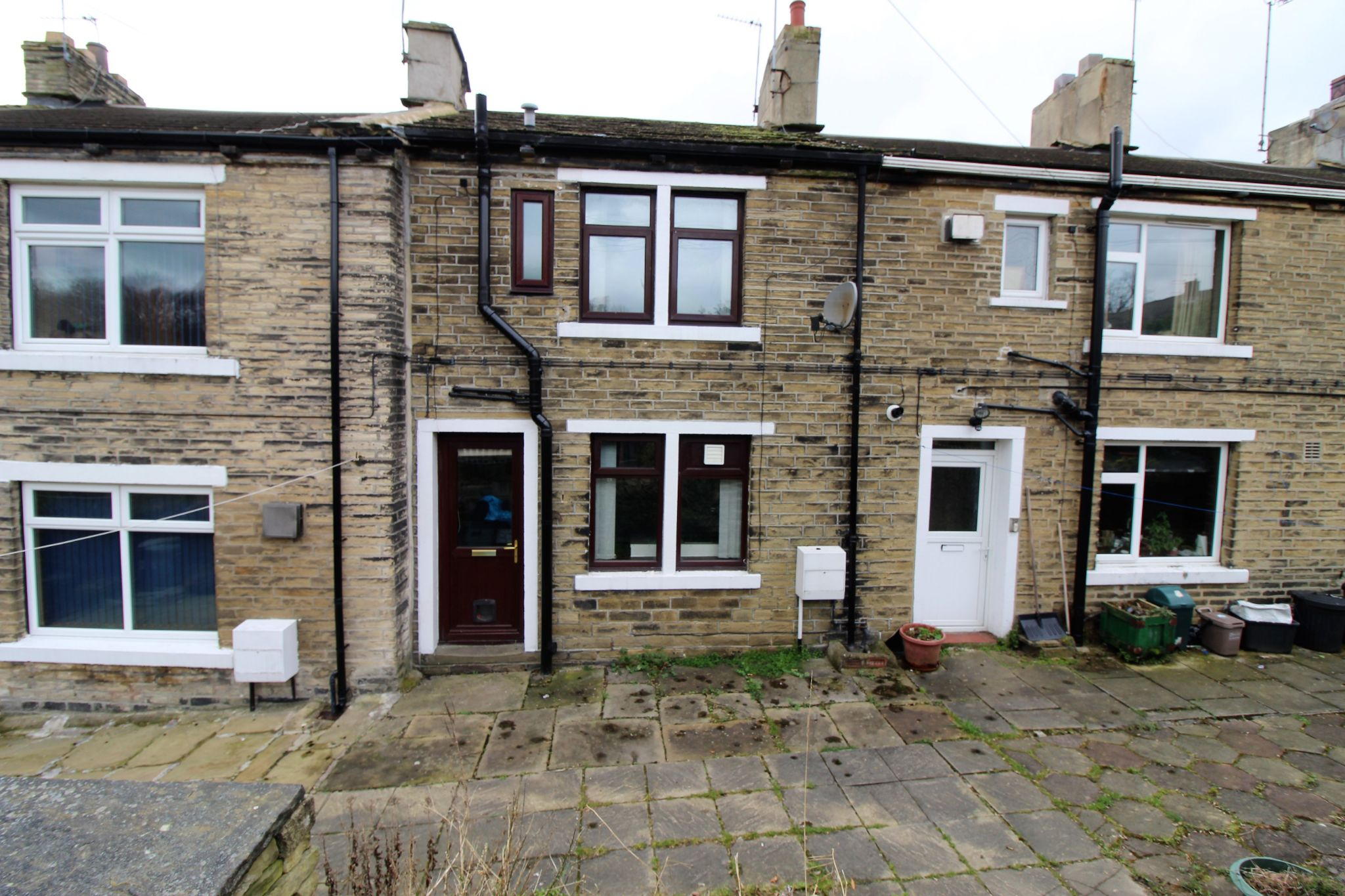 1 bedroom mid terraced house Let in Brighouse - Photograph 6