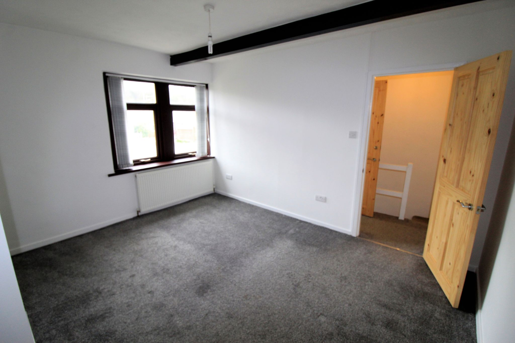 1 bedroom mid terraced house Let in Brighouse - Photograph 2