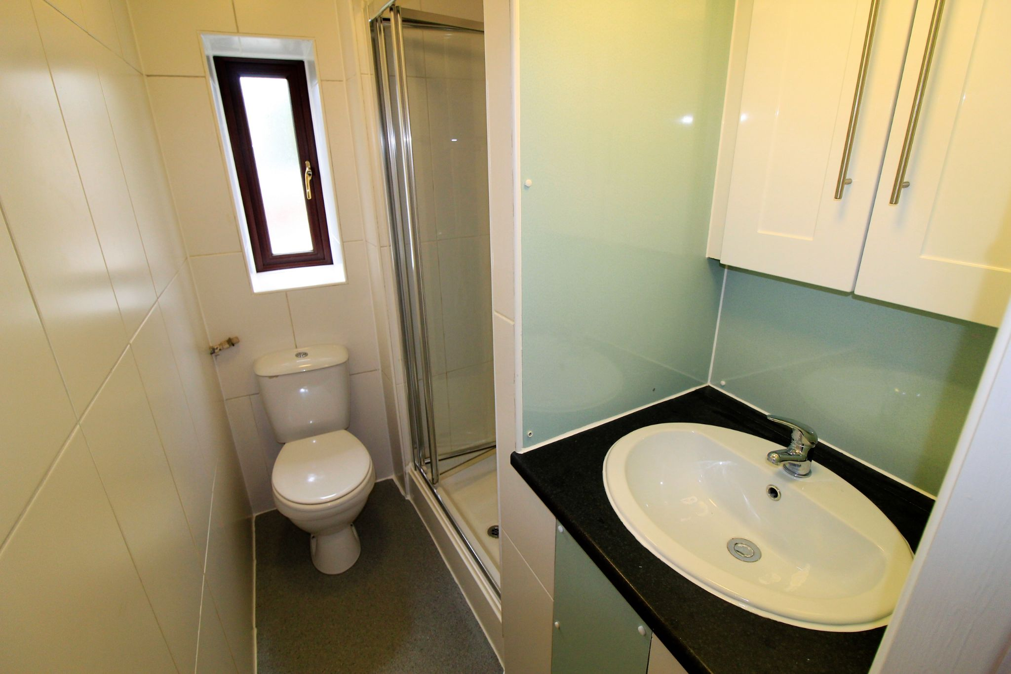 1 bedroom mid terraced house Let in Brighouse - Photograph 3