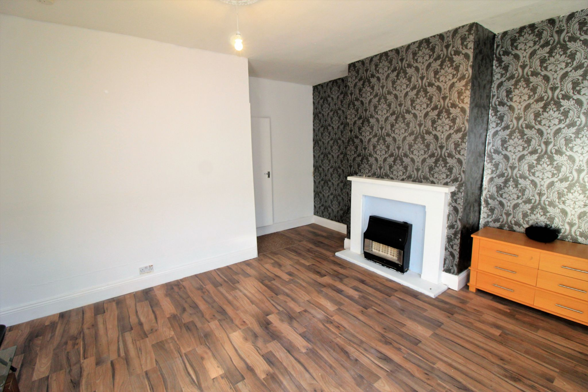 2 bedroom mid terraced house For Sale in Brighouse - Photograph 2