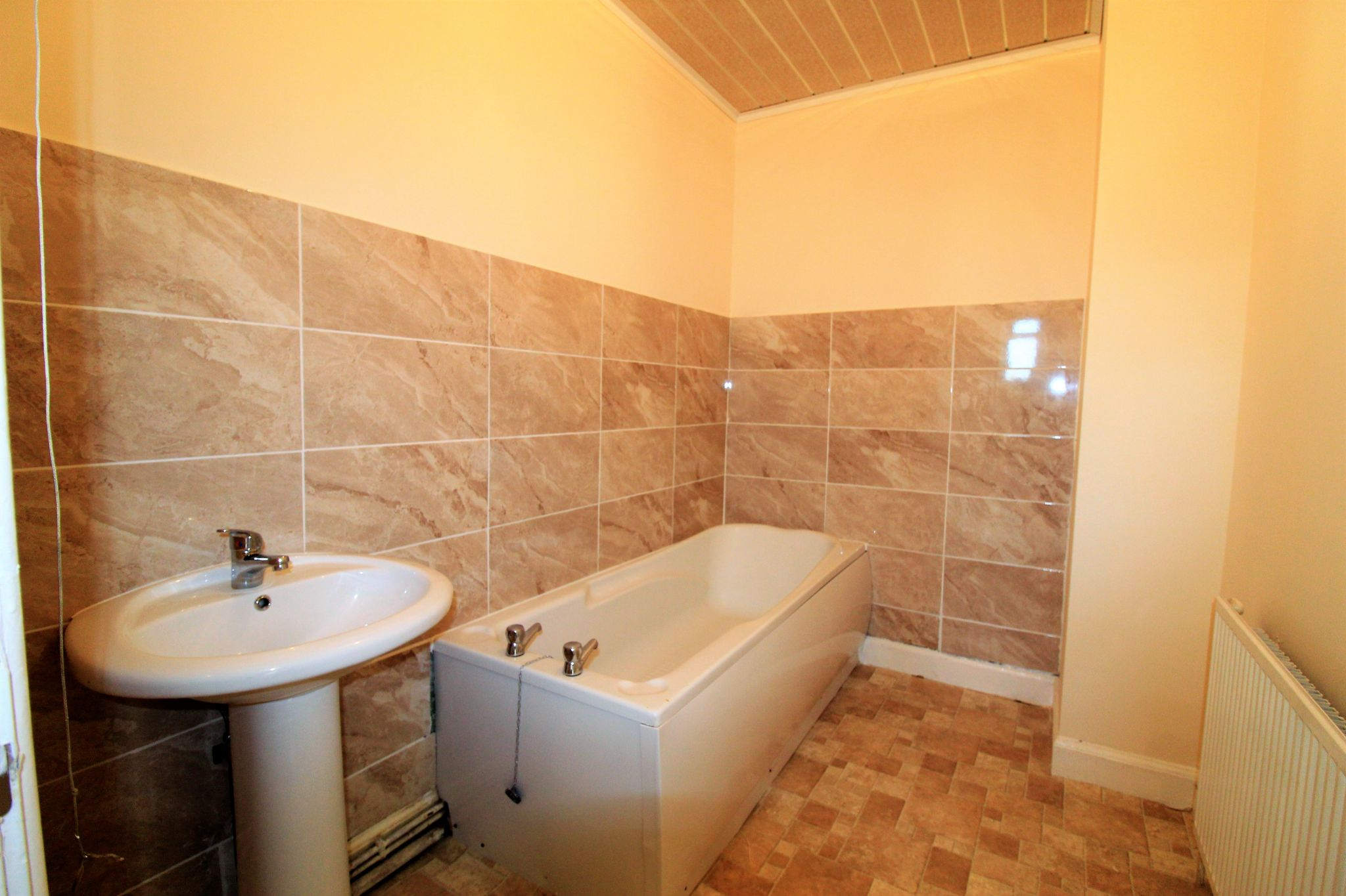 2 bedroom mid terraced house For Sale in Brighouse - Photograph 4