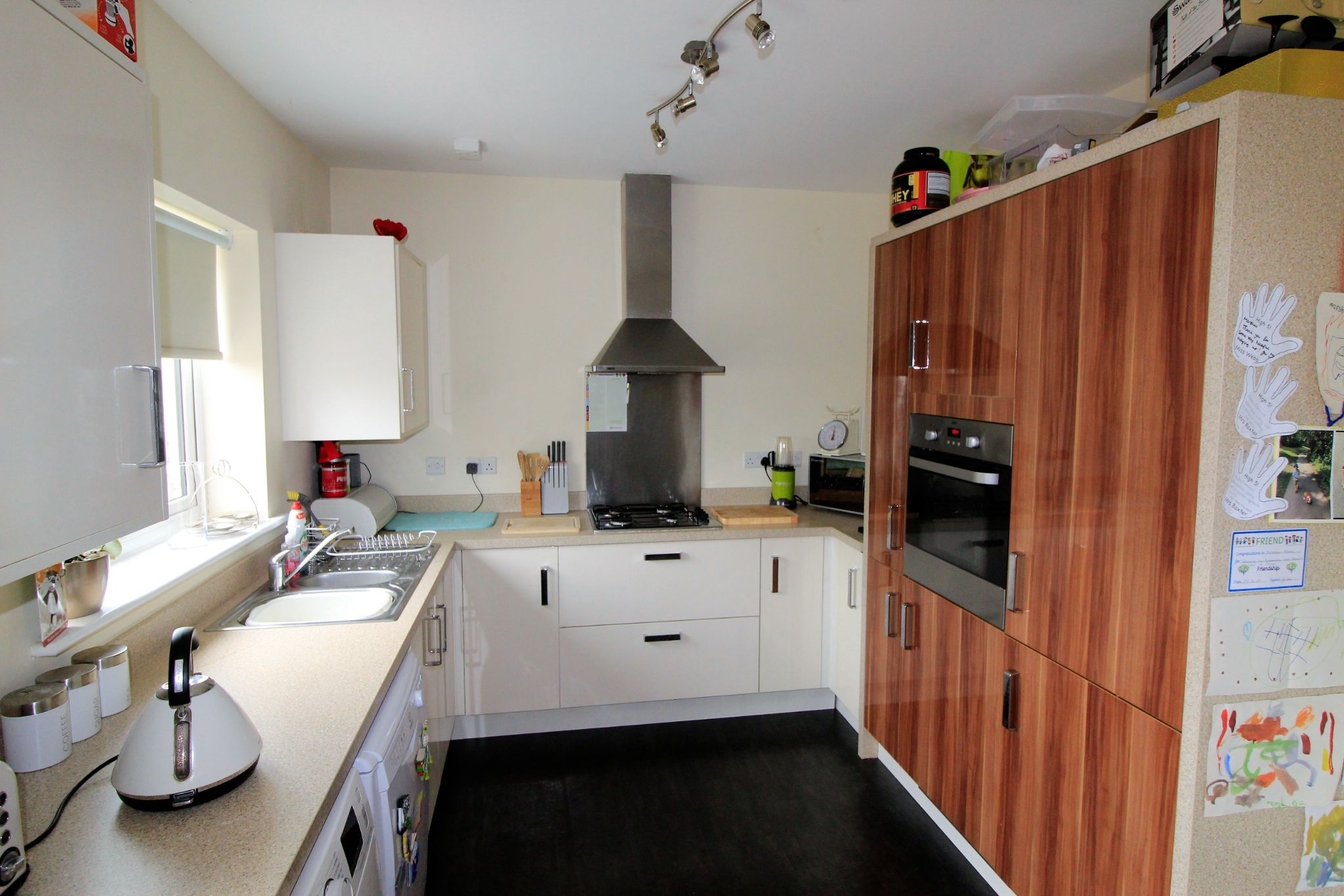 4 bedroom detached house For Sale in Bradford - Photograph 3