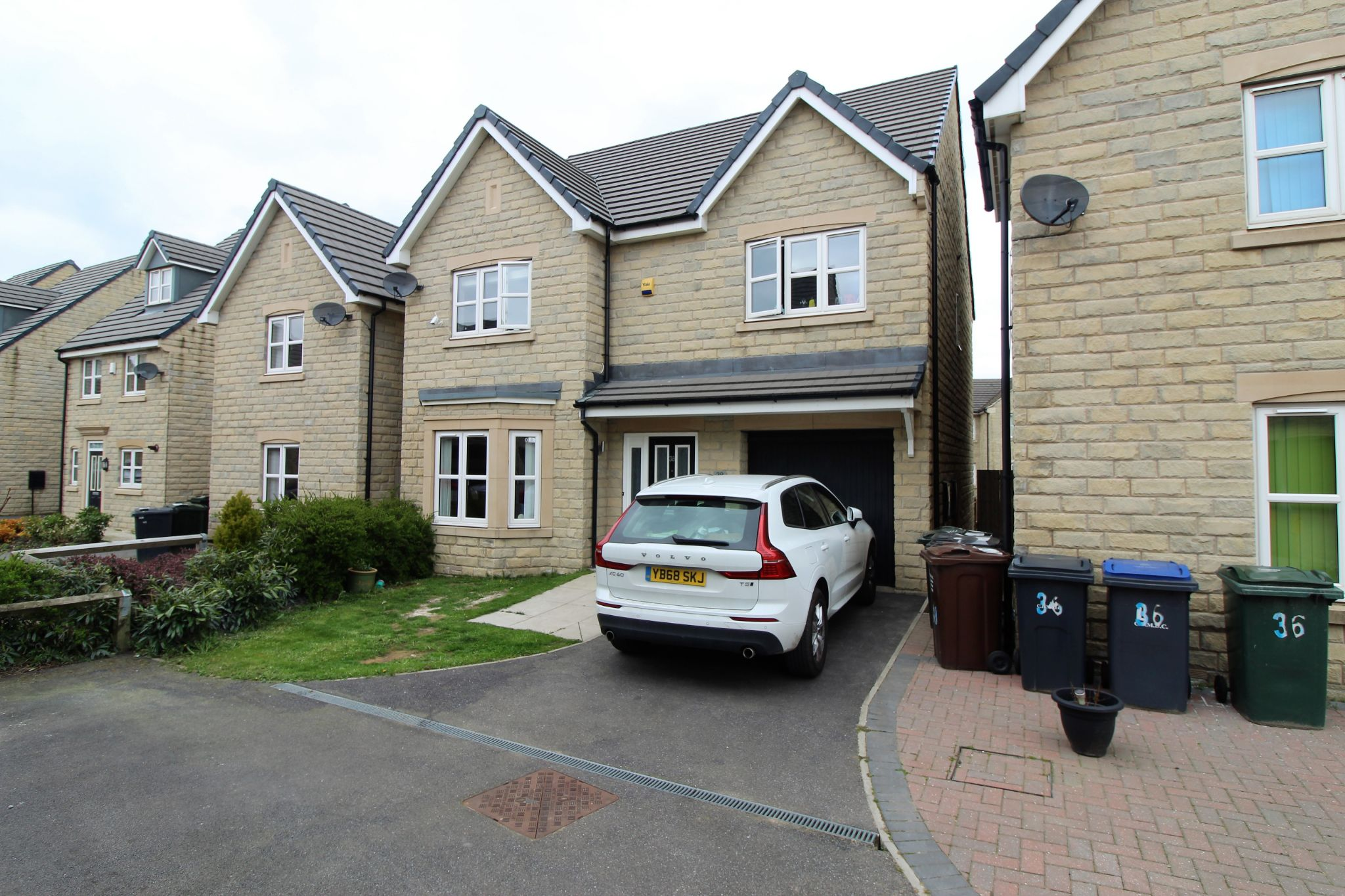 4 bedroom detached house For Sale in Bradford - Photograph 1