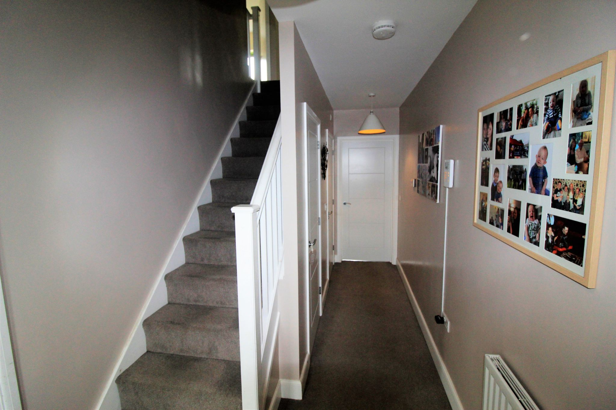 4 bedroom detached house For Sale in Bradford - Photograph 6