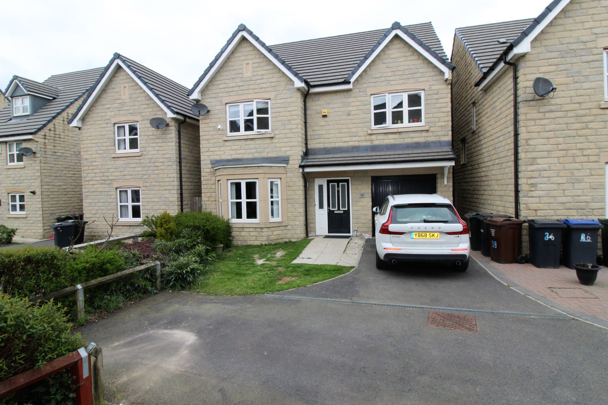 4 bedroom detached house For Sale in Bradford - Photograph 18