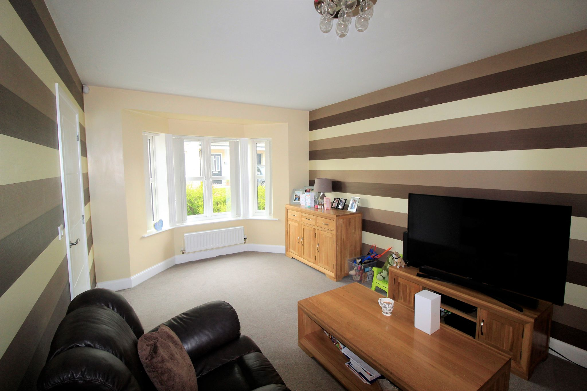 4 bedroom detached house For Sale in Bradford - Photograph 2