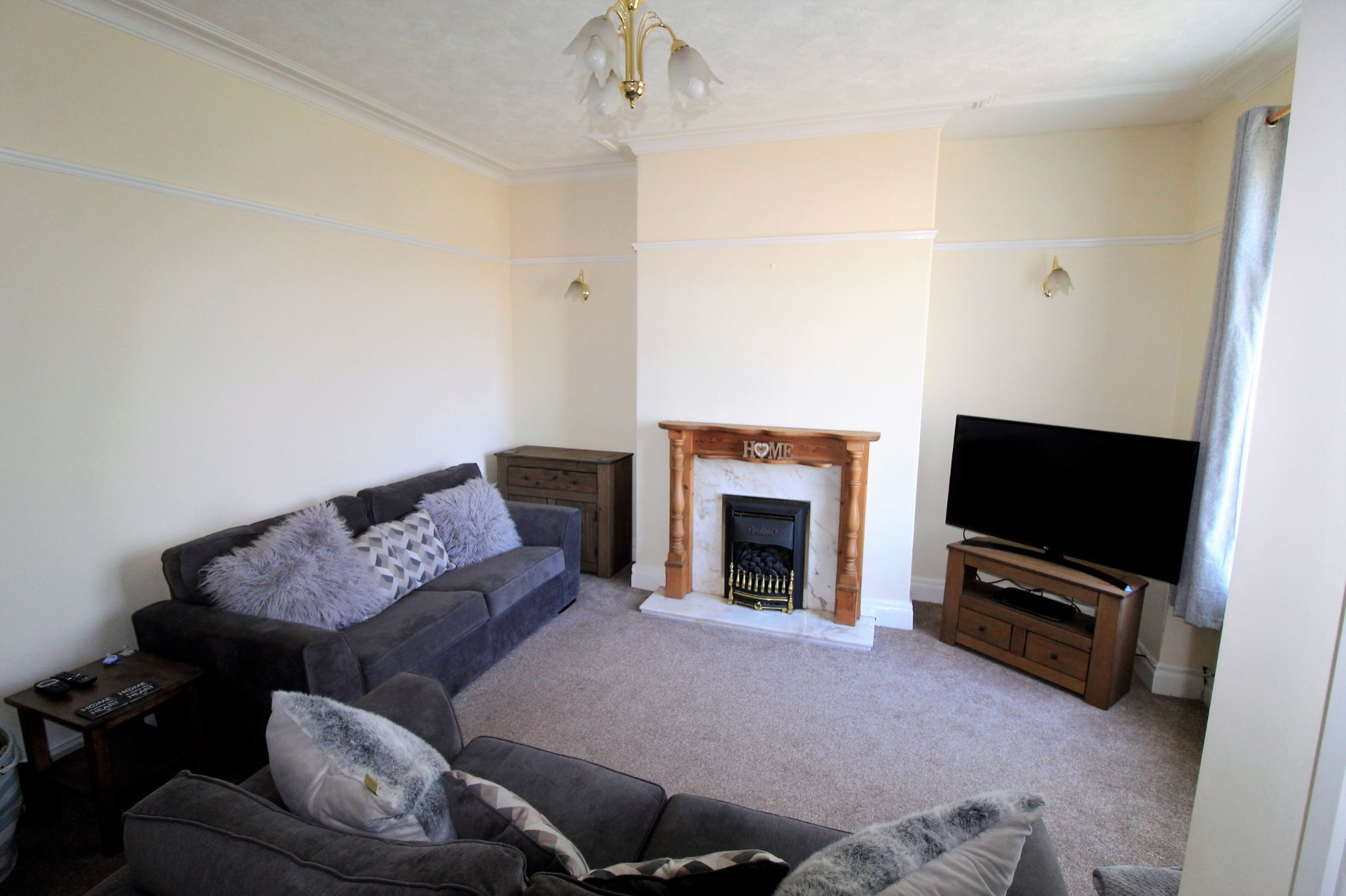 2 bedroom end terraced house SSTC in Brighouse - Photograph 6