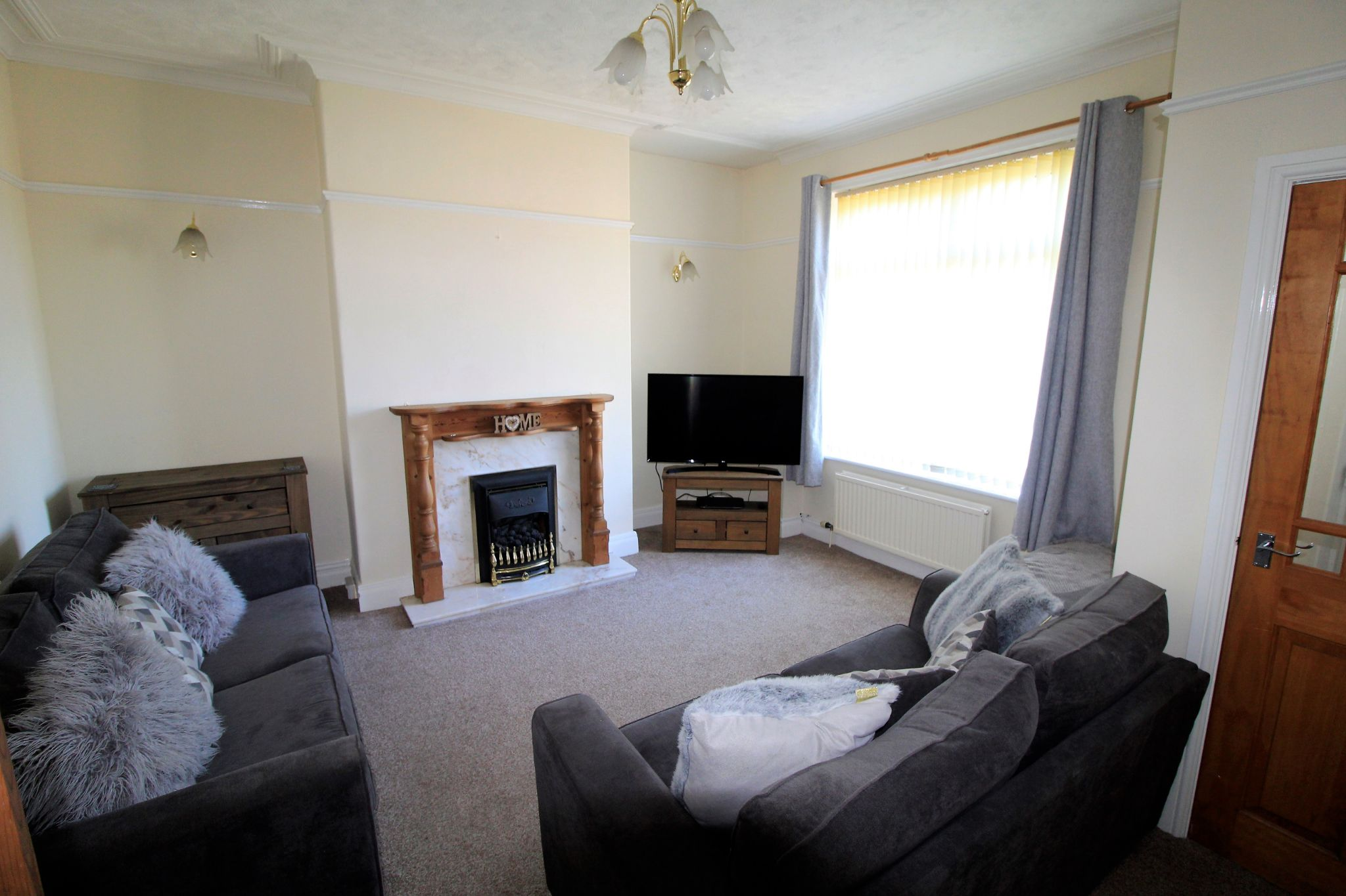 2 bedroom end terraced house SSTC in Brighouse - Photograph 3