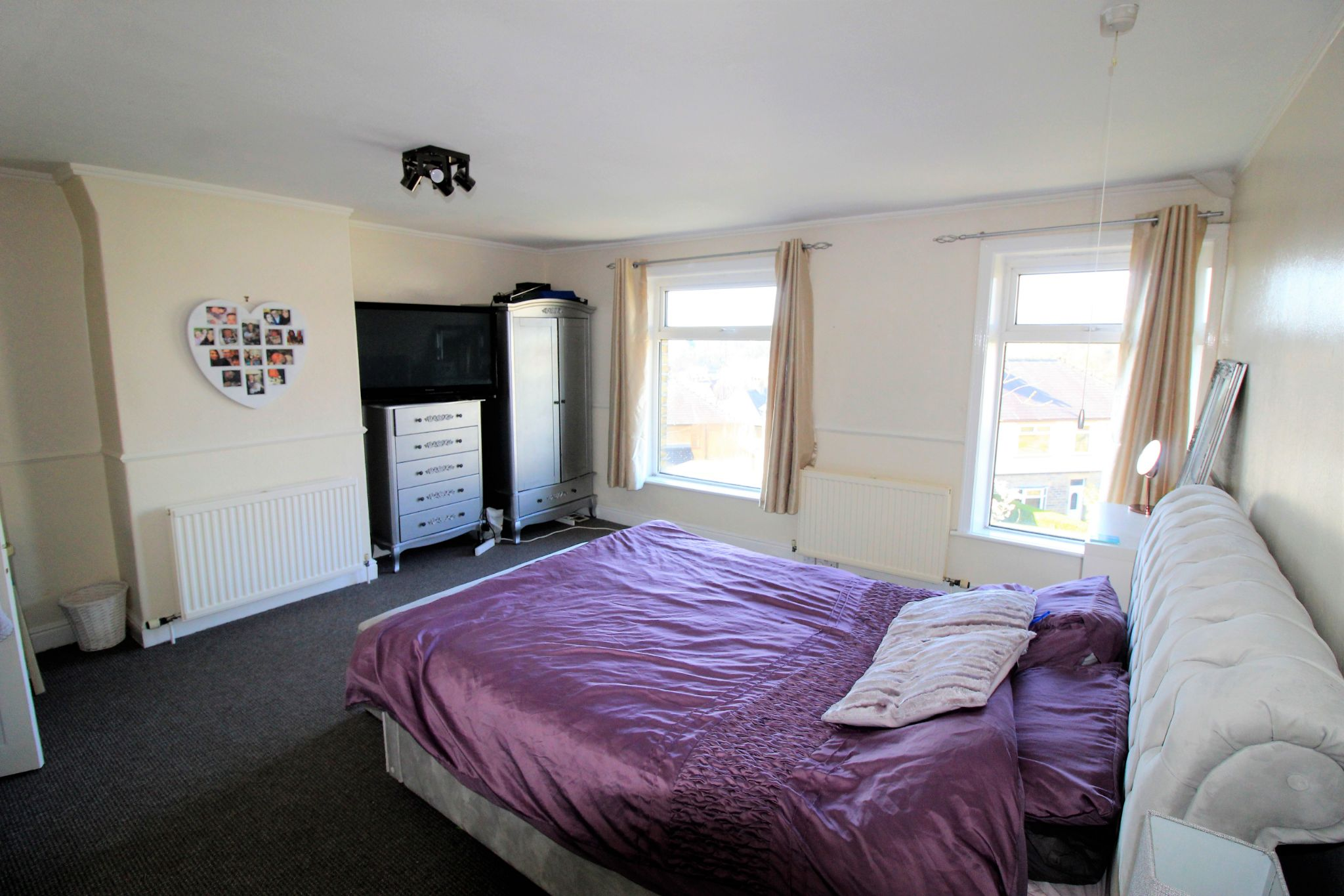 2 bedroom end terraced house SSTC in Brighouse - Photograph 12