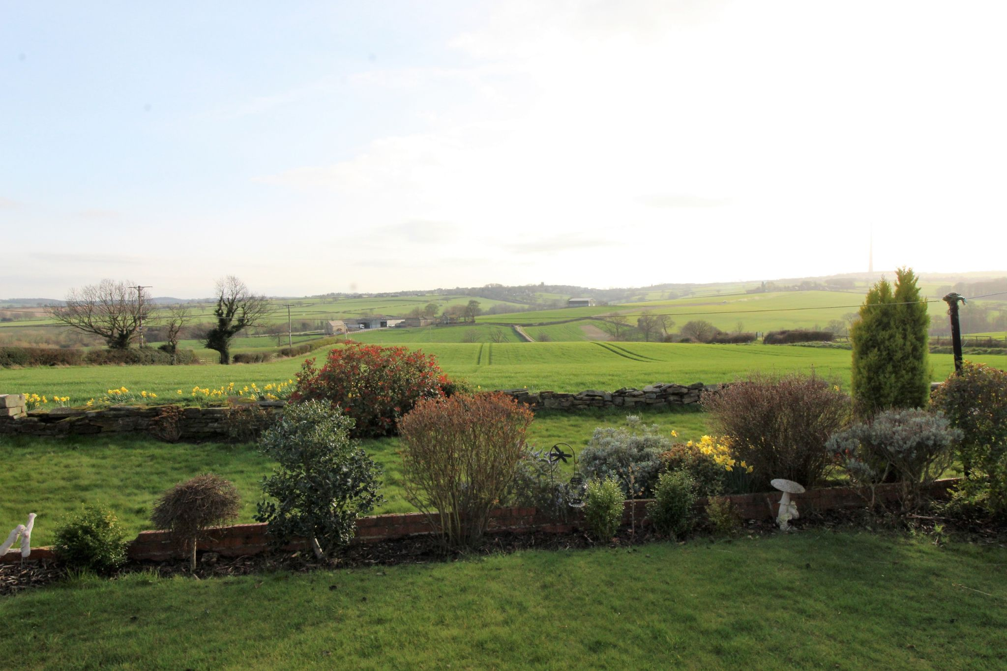 2 bedroom cottage house To Let in Wakefield - Far reaching views