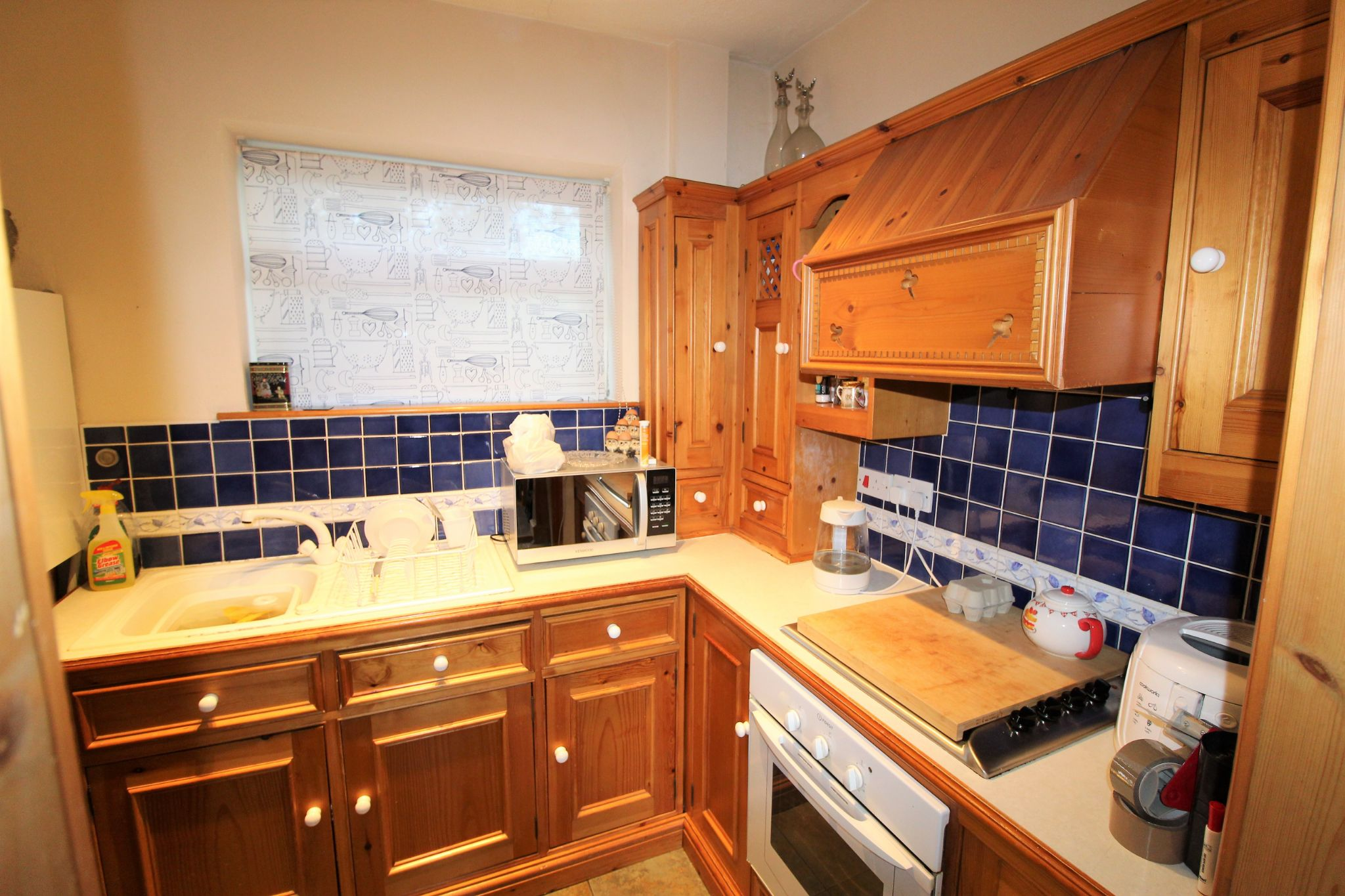 2 bedroom cottage house Let in Wakefield - Kitchen