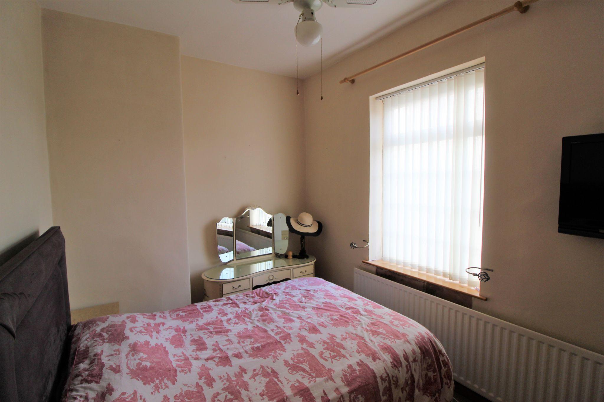 2 bedroom cottage house Let in Wakefield - Bedroom 1