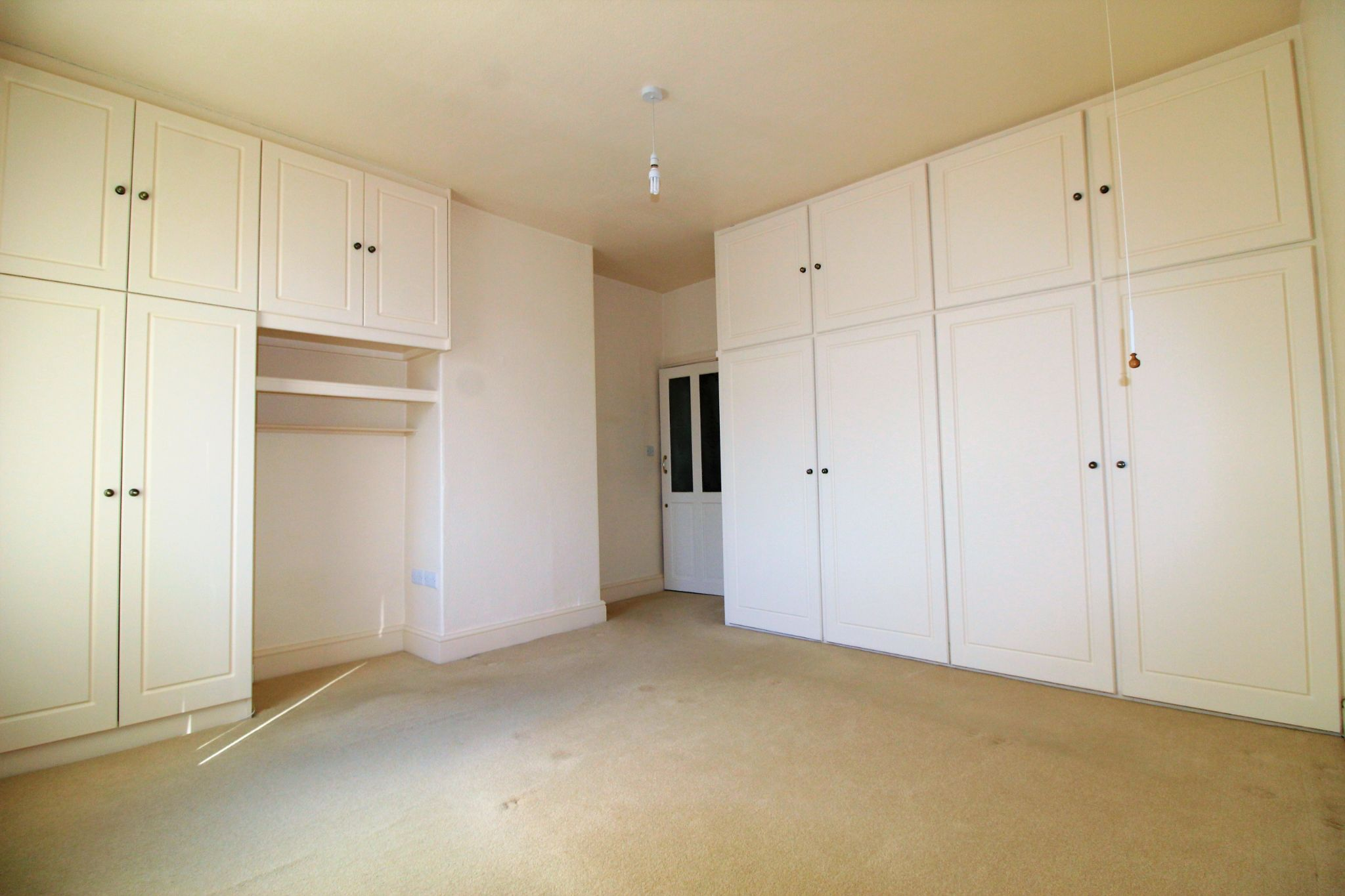 2 bedroom mid terraced house SSTC in Brighouse - Photograph 6
