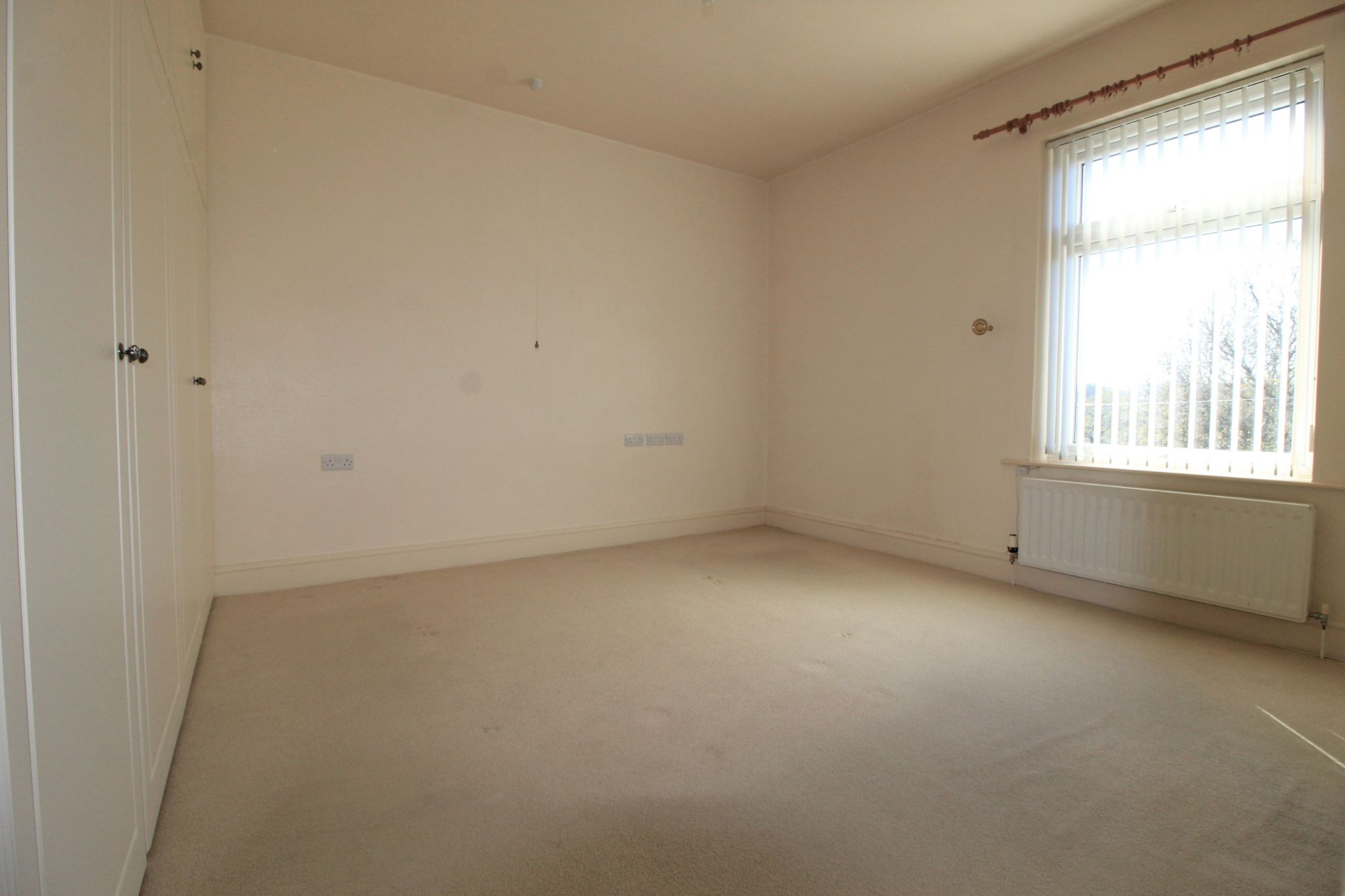 2 bedroom mid terraced house SSTC in Brighouse - Photograph 5