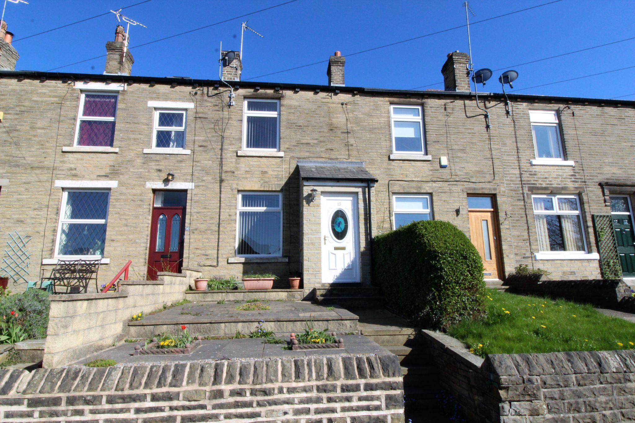 2 bedroom mid terraced house SSTC in Brighouse - Photograph 1