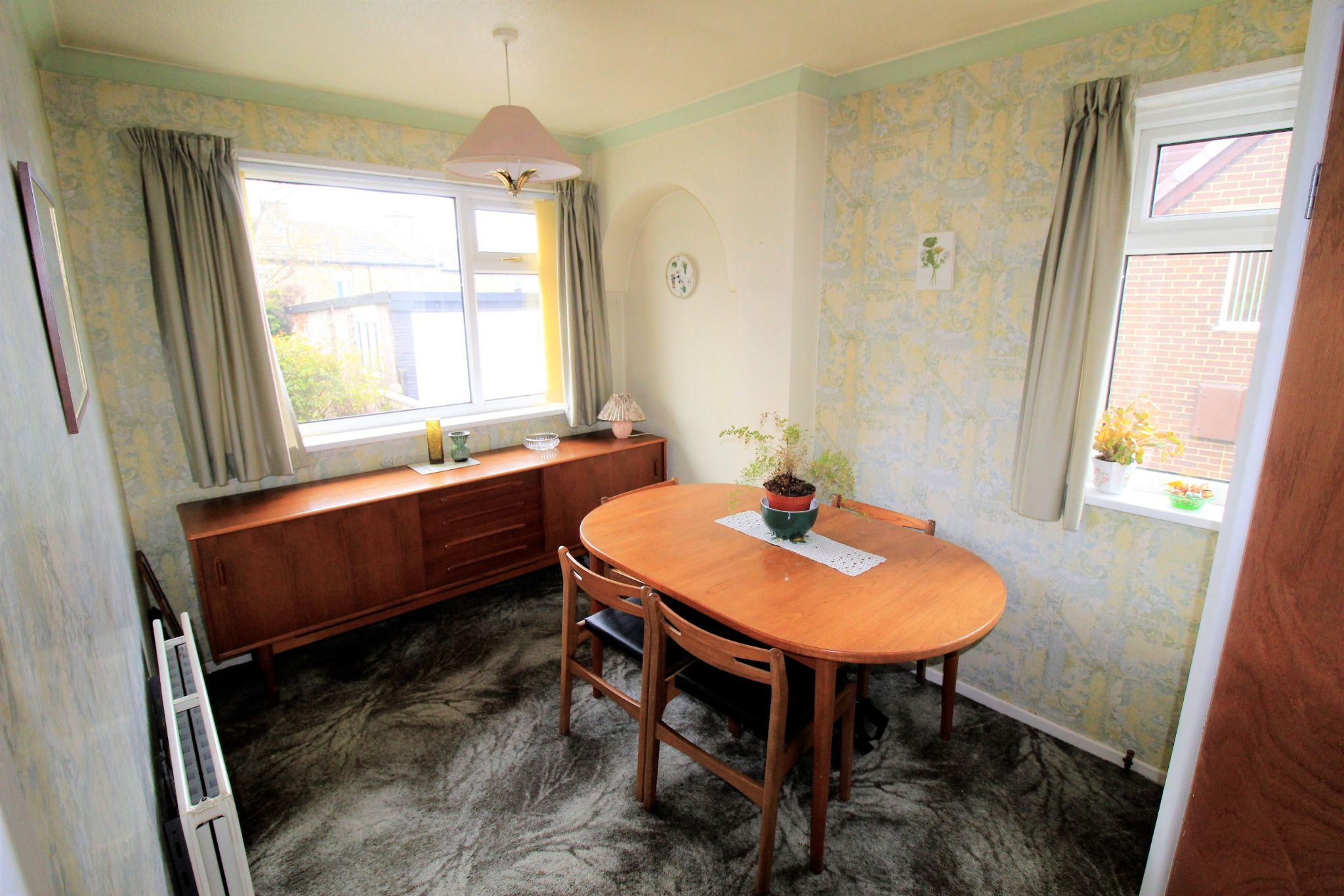 2 bedroom semi-detached bungalow For Sale in Bradford - Dining Room