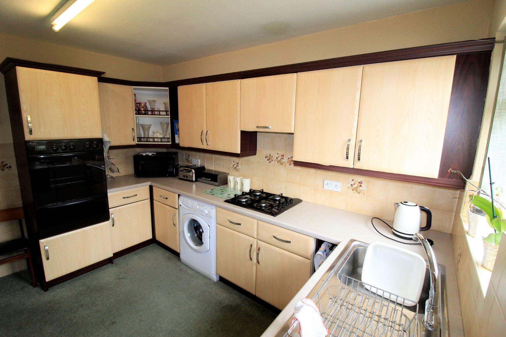 2 bedroom semi-detached bungalow SSTC in Bradford - Kitchen