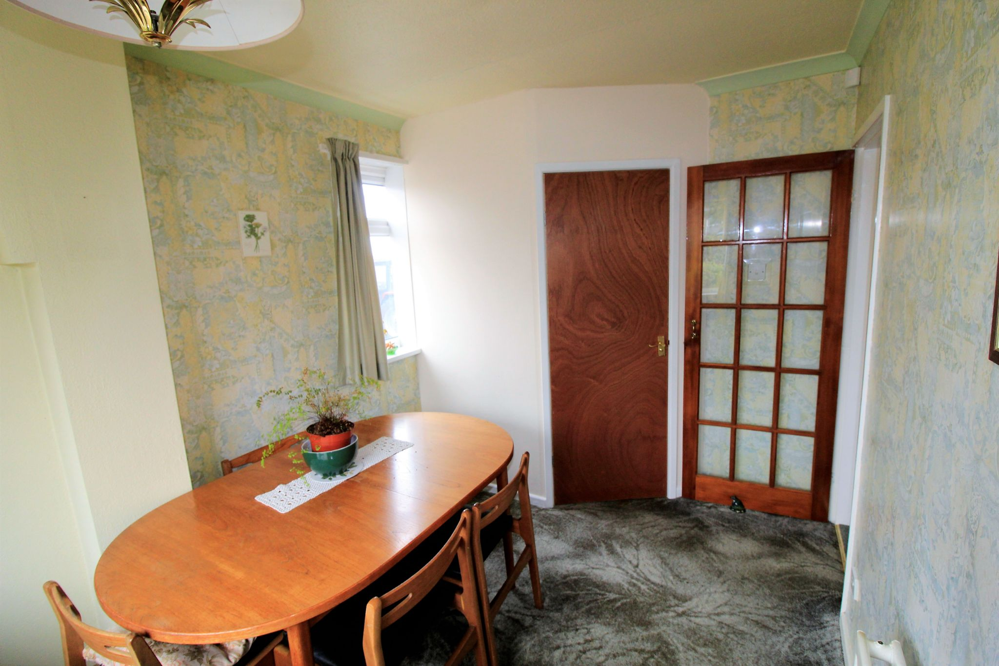 2 bedroom semi-detached bungalow SSTC in Bradford - Dining Room