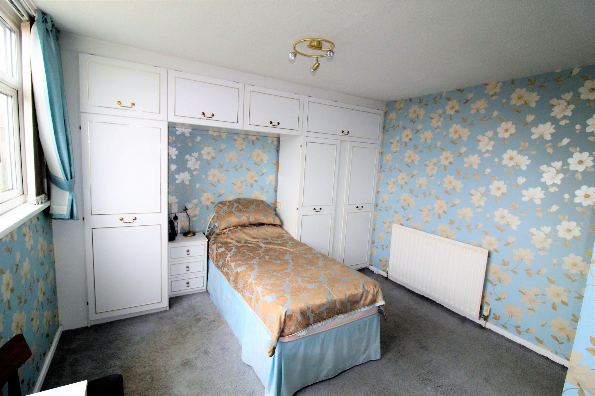 2 bedroom semi-detached bungalow SSTC in Bradford - Bedroom 1