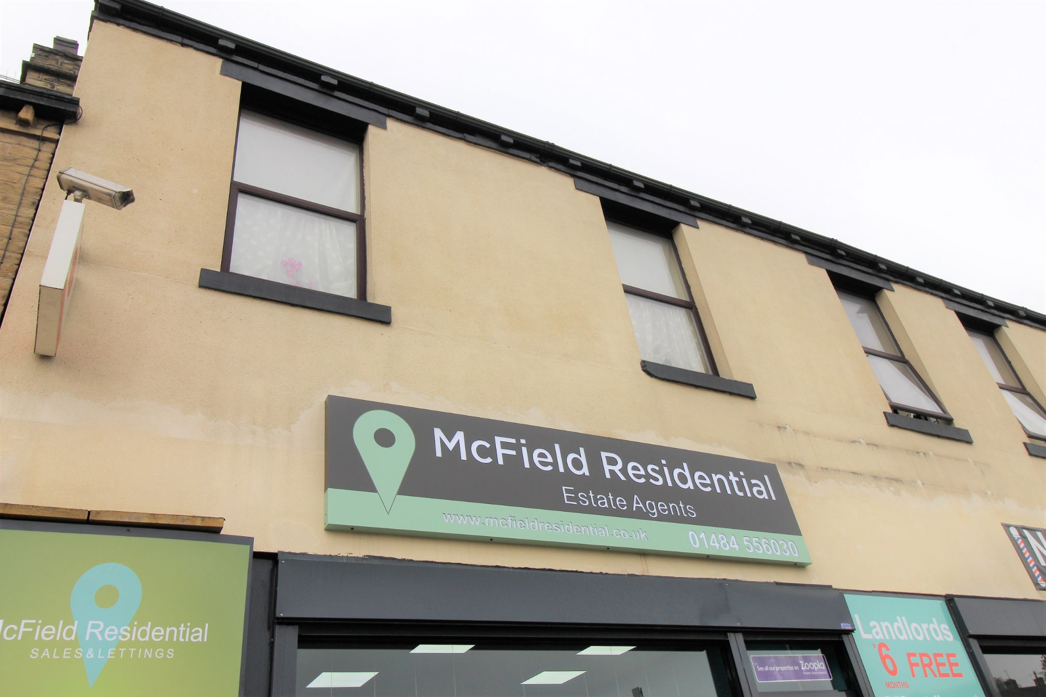 1 bedroom bedsit flat/apartment Let in Brighouse - The flat above McField Residential shop