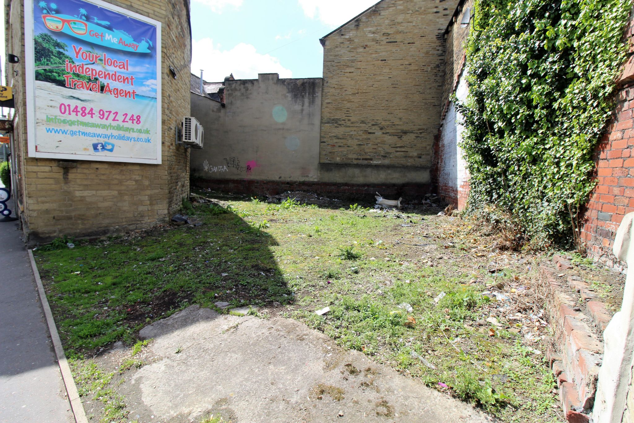 Retail For Sale in Brighouse - Photograph 2