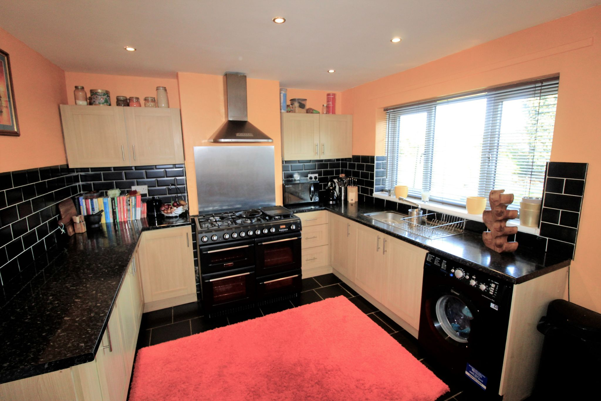 3 bedroom semi-detached house SSTC in Brighouse - Kitchen