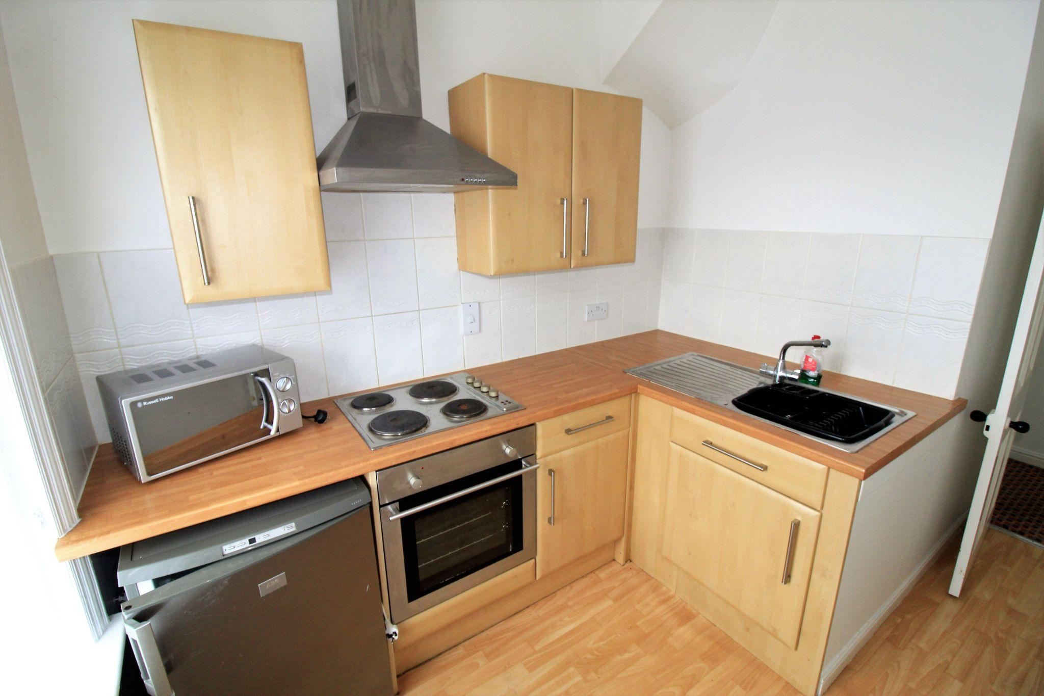 1 bedroom flat flat/apartment Let in Huddersfield - Kitchen