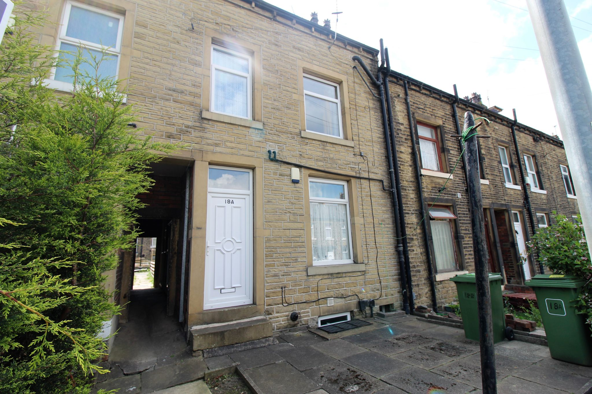 1 bedroom flat flat/apartment Let in Huddersfield - Front of property and own entrance