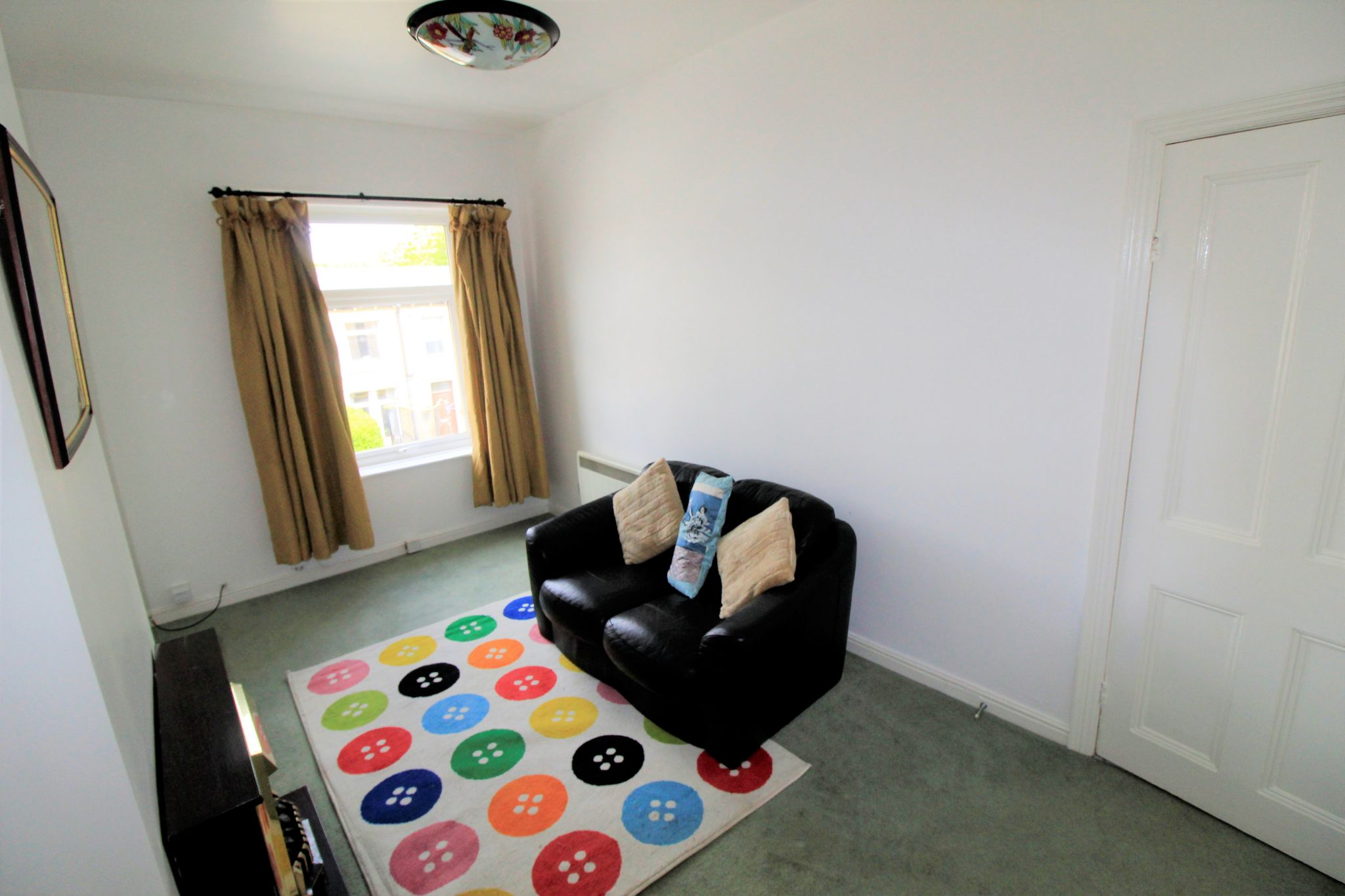 1 bedroom flat flat/apartment Let in Huddersfield - Lounge