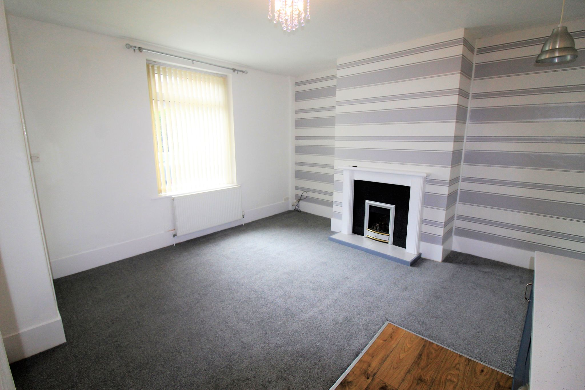 2 bedroom semi-detached house For Sale in Huddersfield - Lounge / kitchen