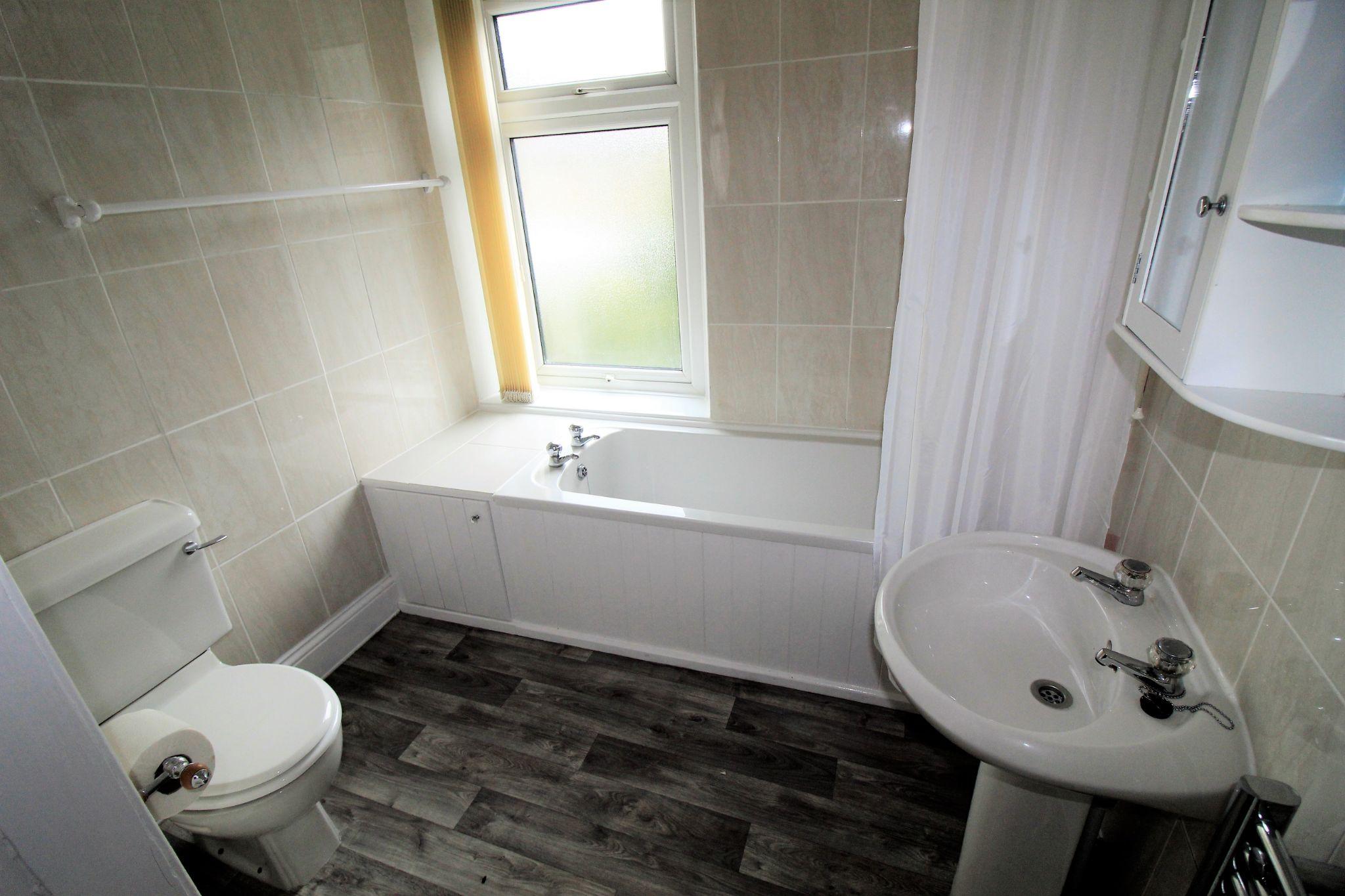 2 bedroom semi-detached house SSTC in Huddersfield - Bathroom