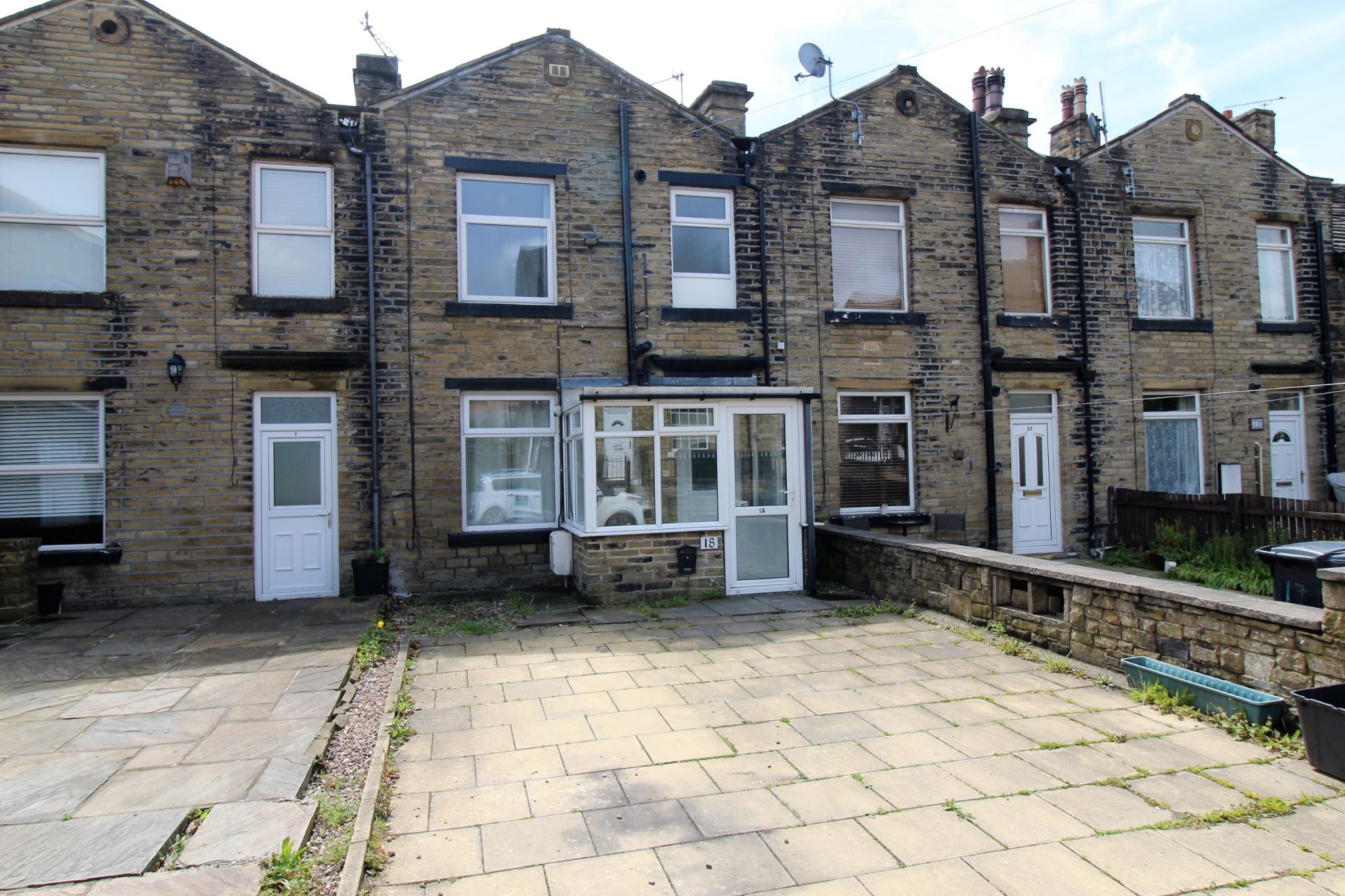 2 bedroom mid terraced house Sale Agreed in Halifax - Photograph 8