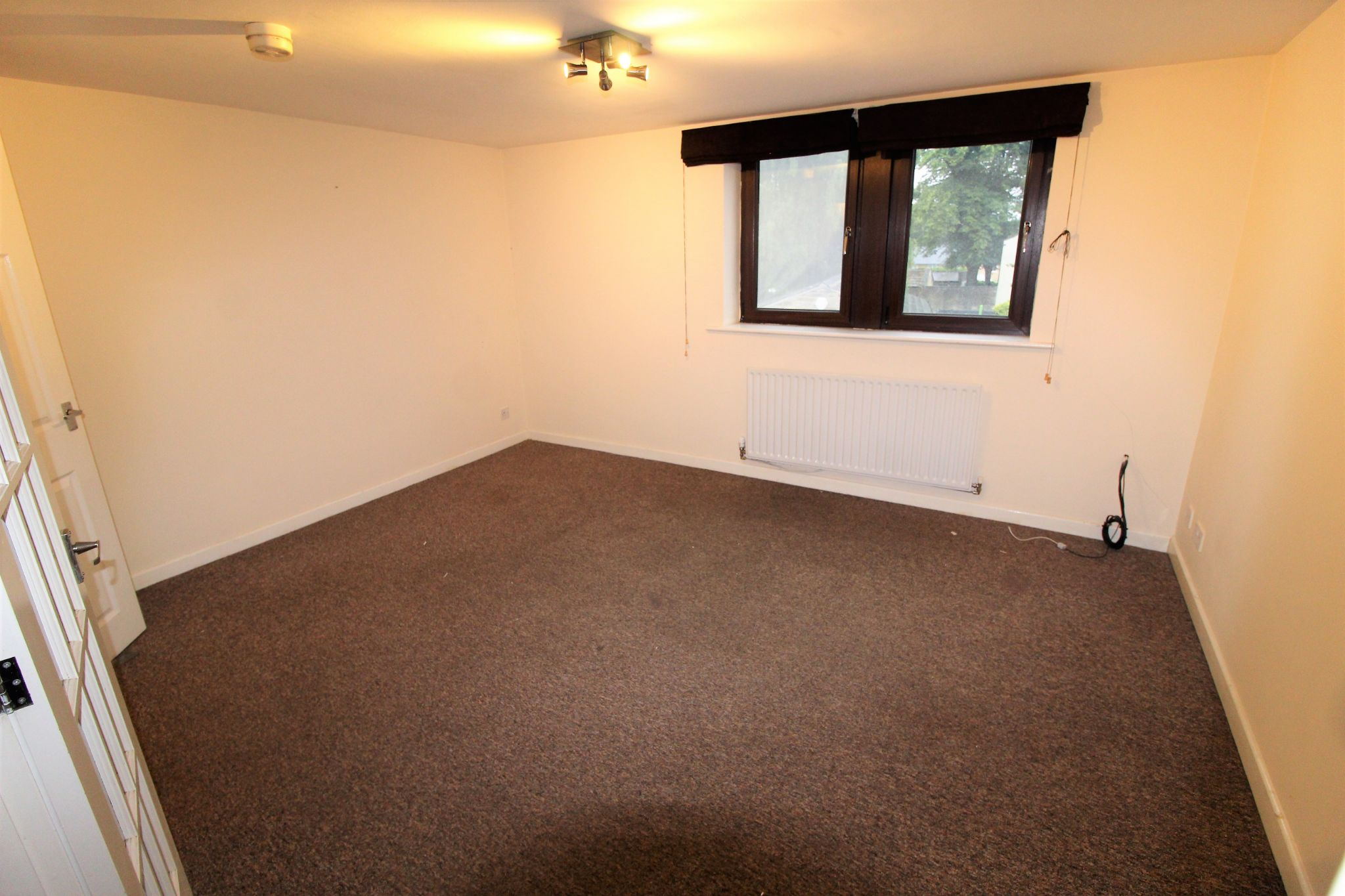 2 bedroom town house Let in Halifax - Lounge