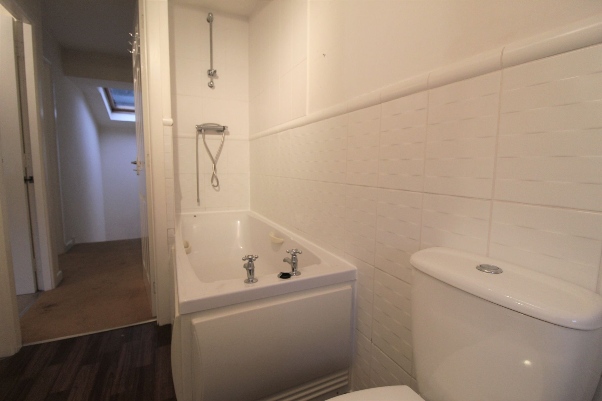 2 bedroom town house To Let in Halifax - Bathroom