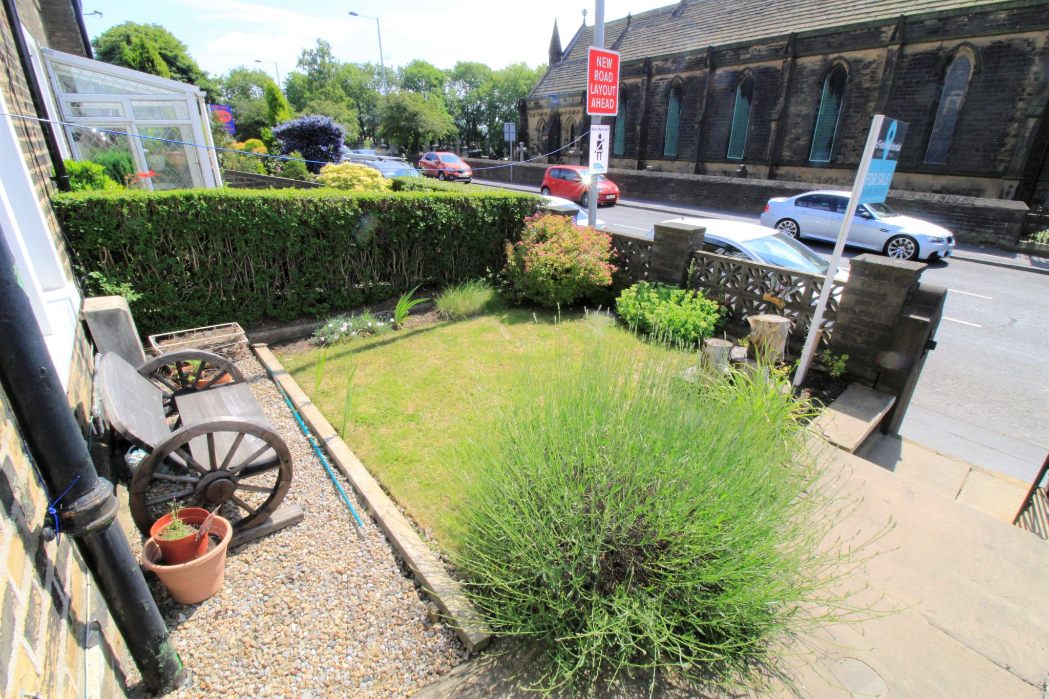 3 bedroom mid terraced house SSTC in Bradford - Front garden