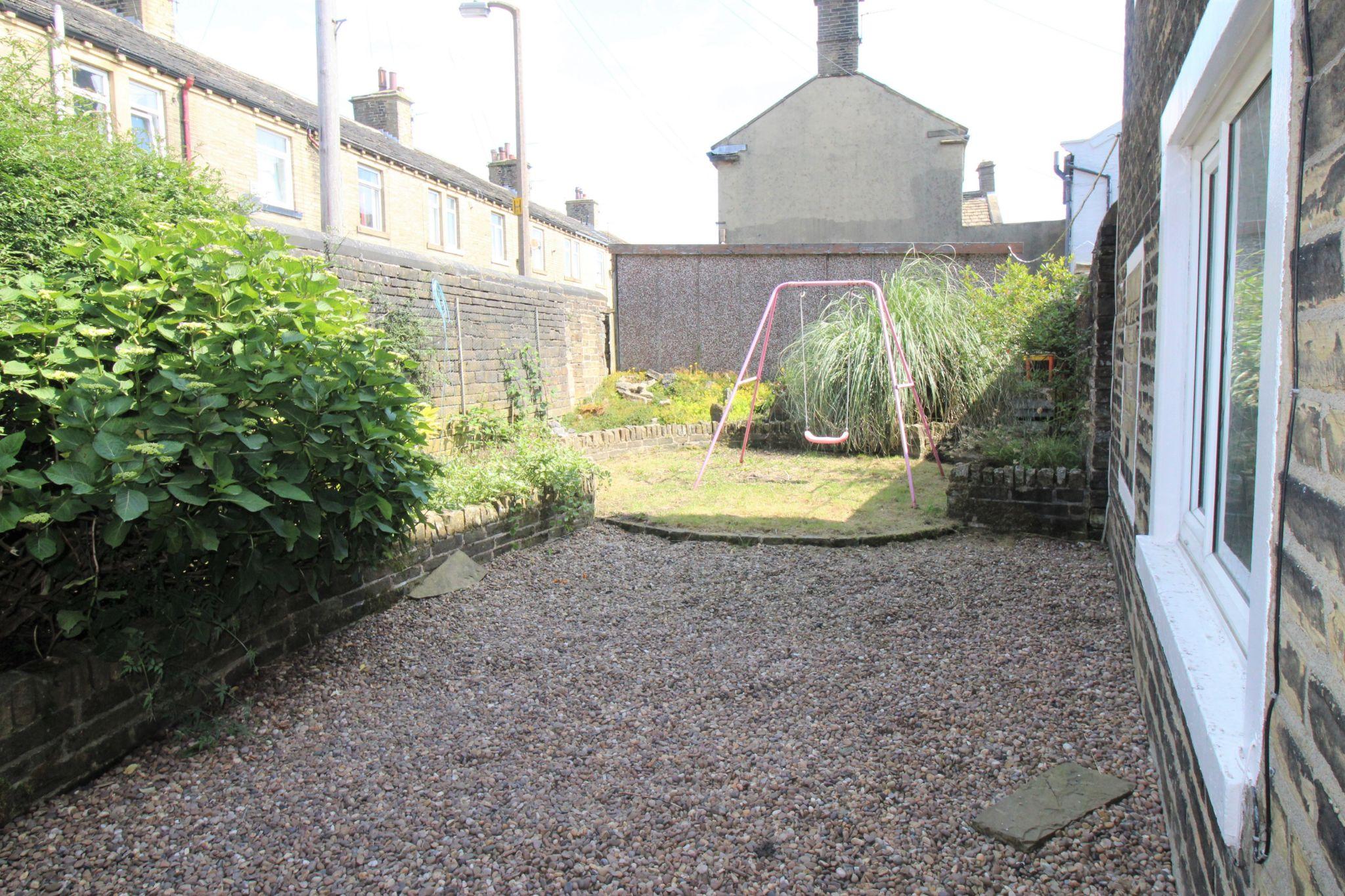 3 bedroom mid terraced house SSTC in Bradford - Rear garden
