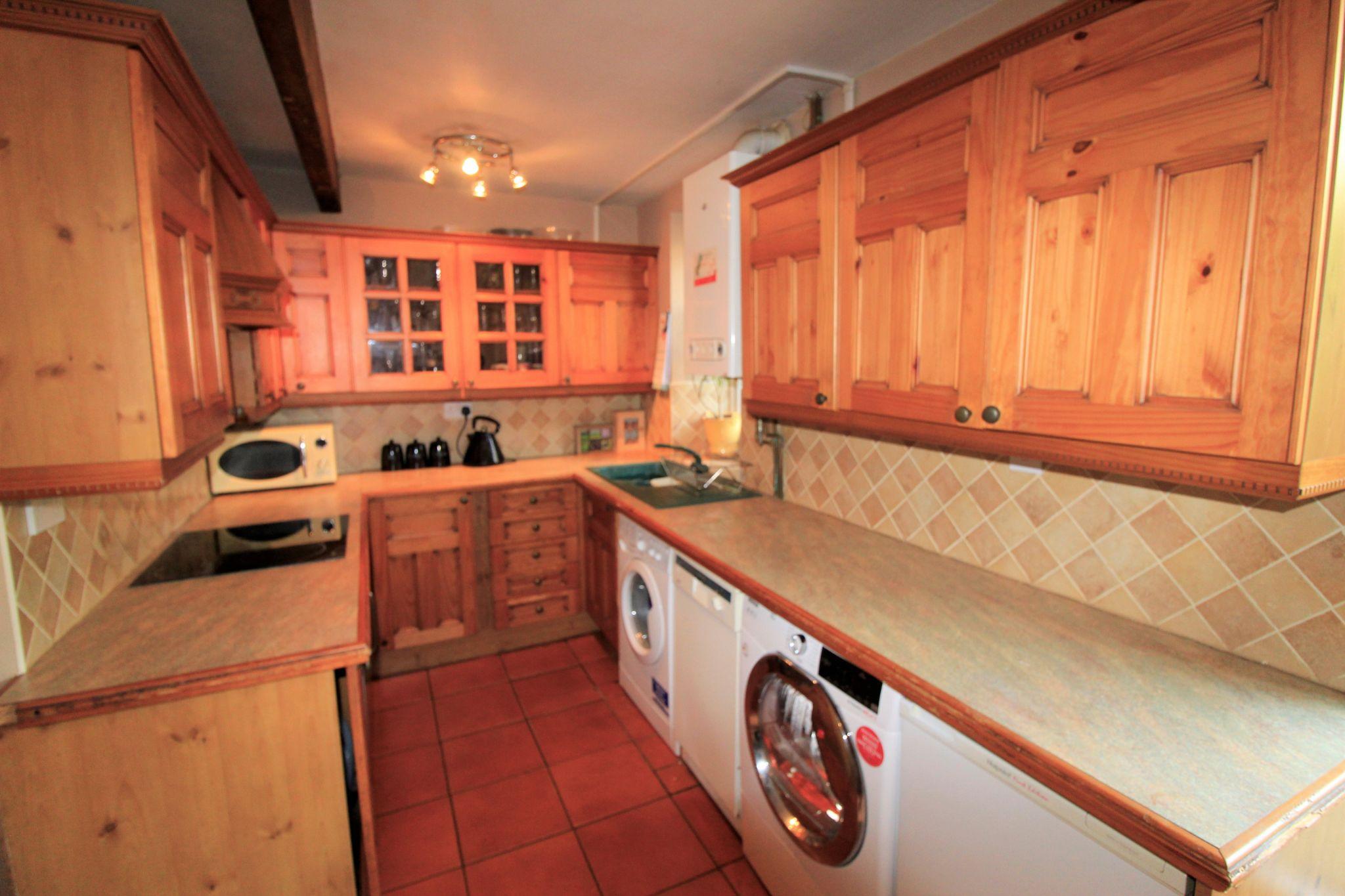 3 bedroom mid terraced house SSTC in Bradford - Kitchen