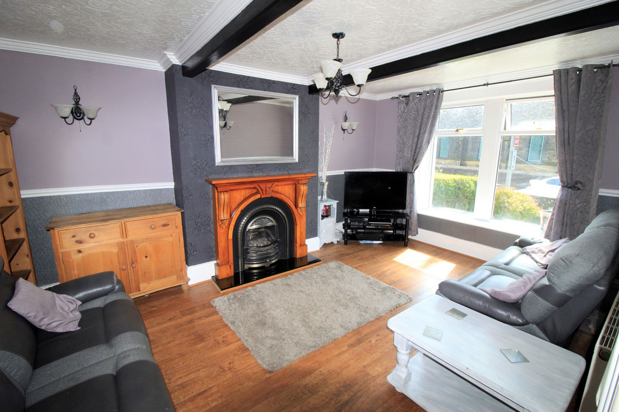 3 bedroom mid terraced house SSTC in Bradford - Lounge