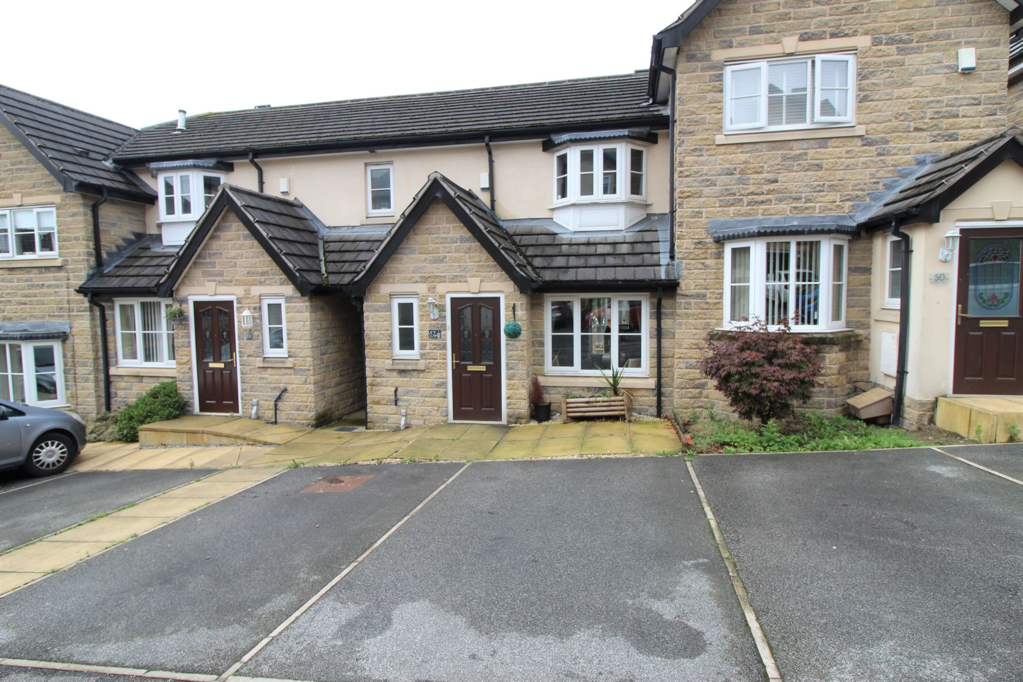 2 bedroom town house For Sale in Bradford - Property photograph