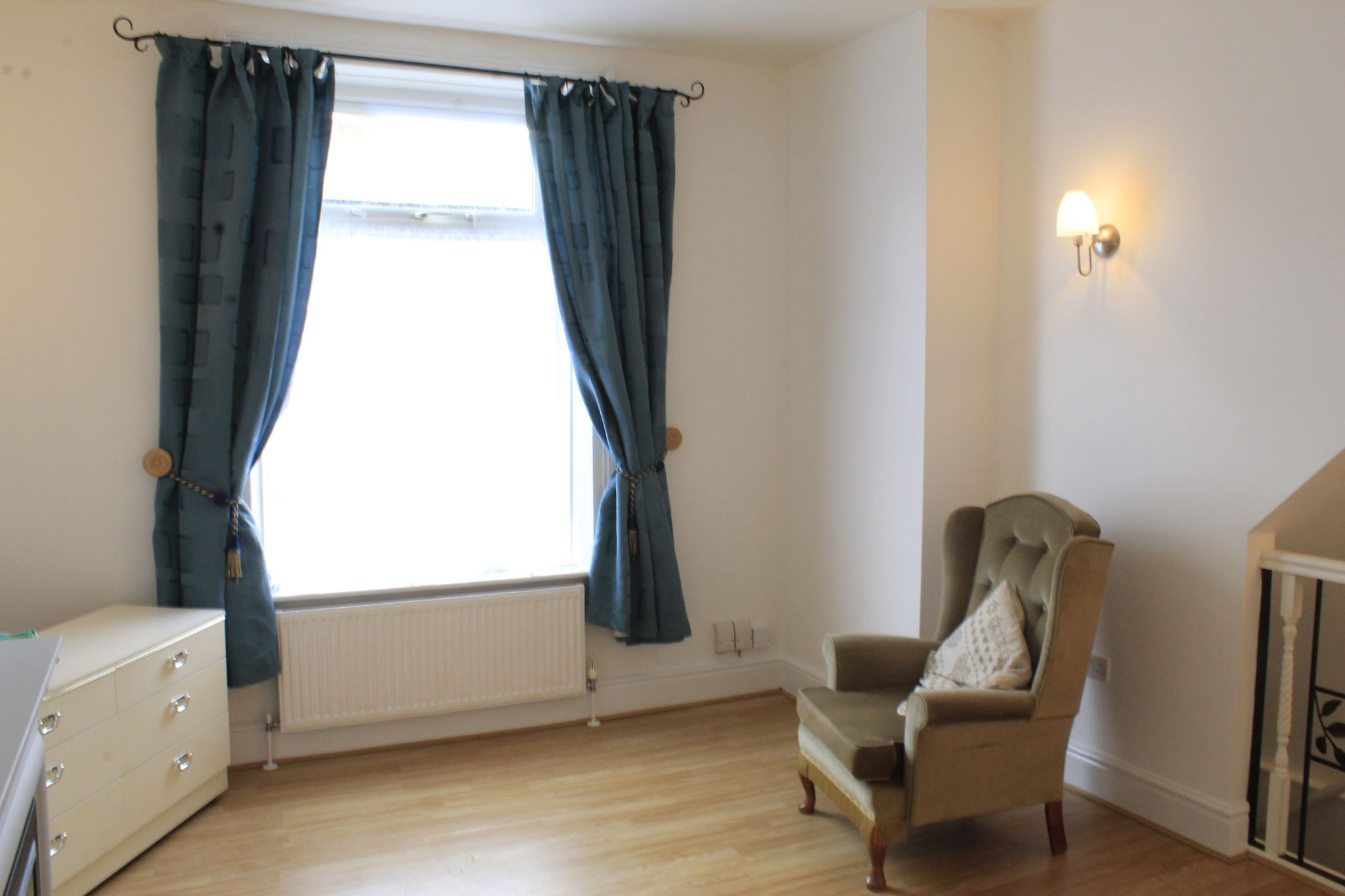 1 bedroom maisonette flat/apartment To Let in Huddersfield - Living room / bedroom
