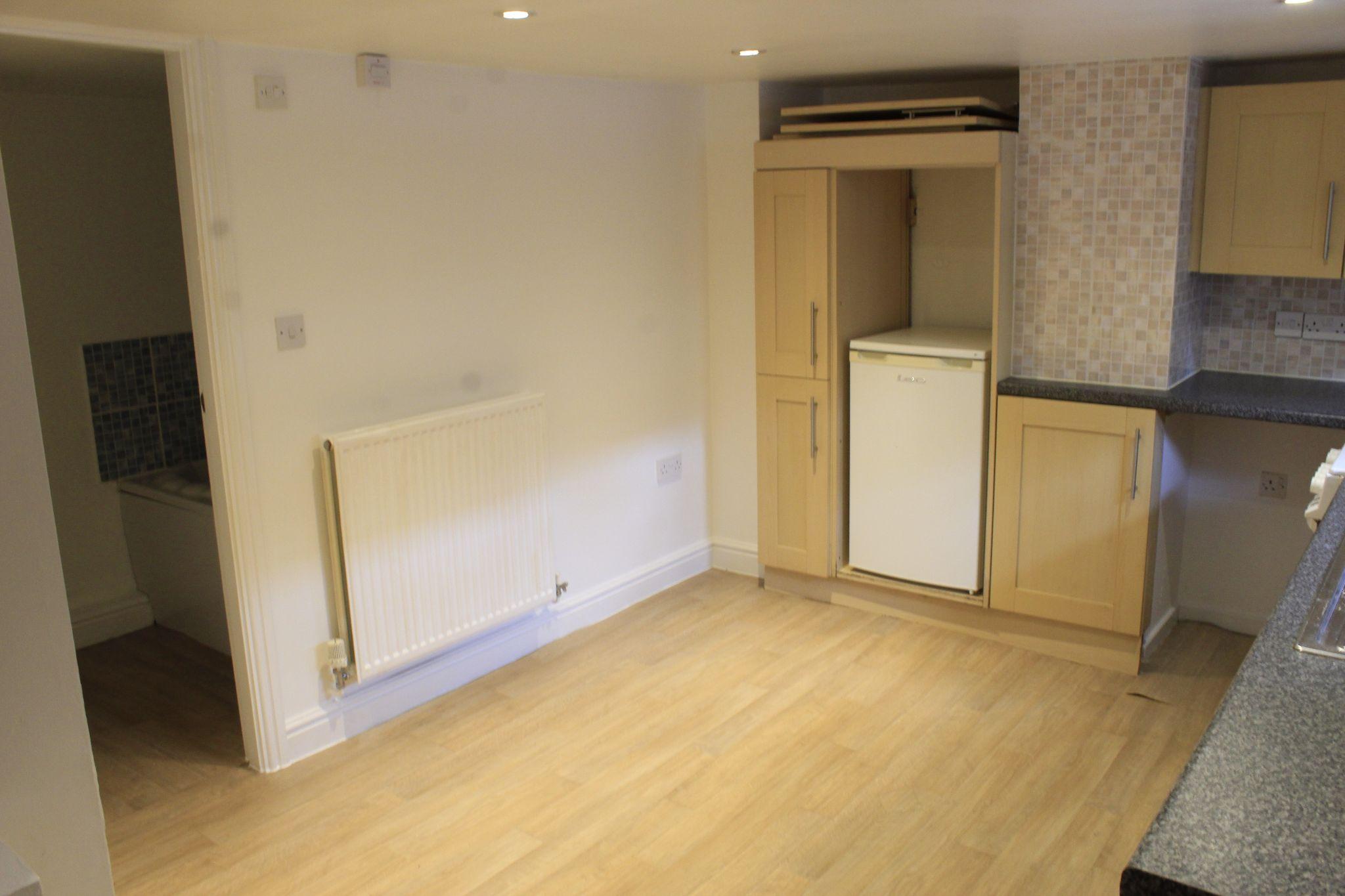 1 bedroom maisonette flat/apartment To Let in Huddersfield - Kitchen / Diner