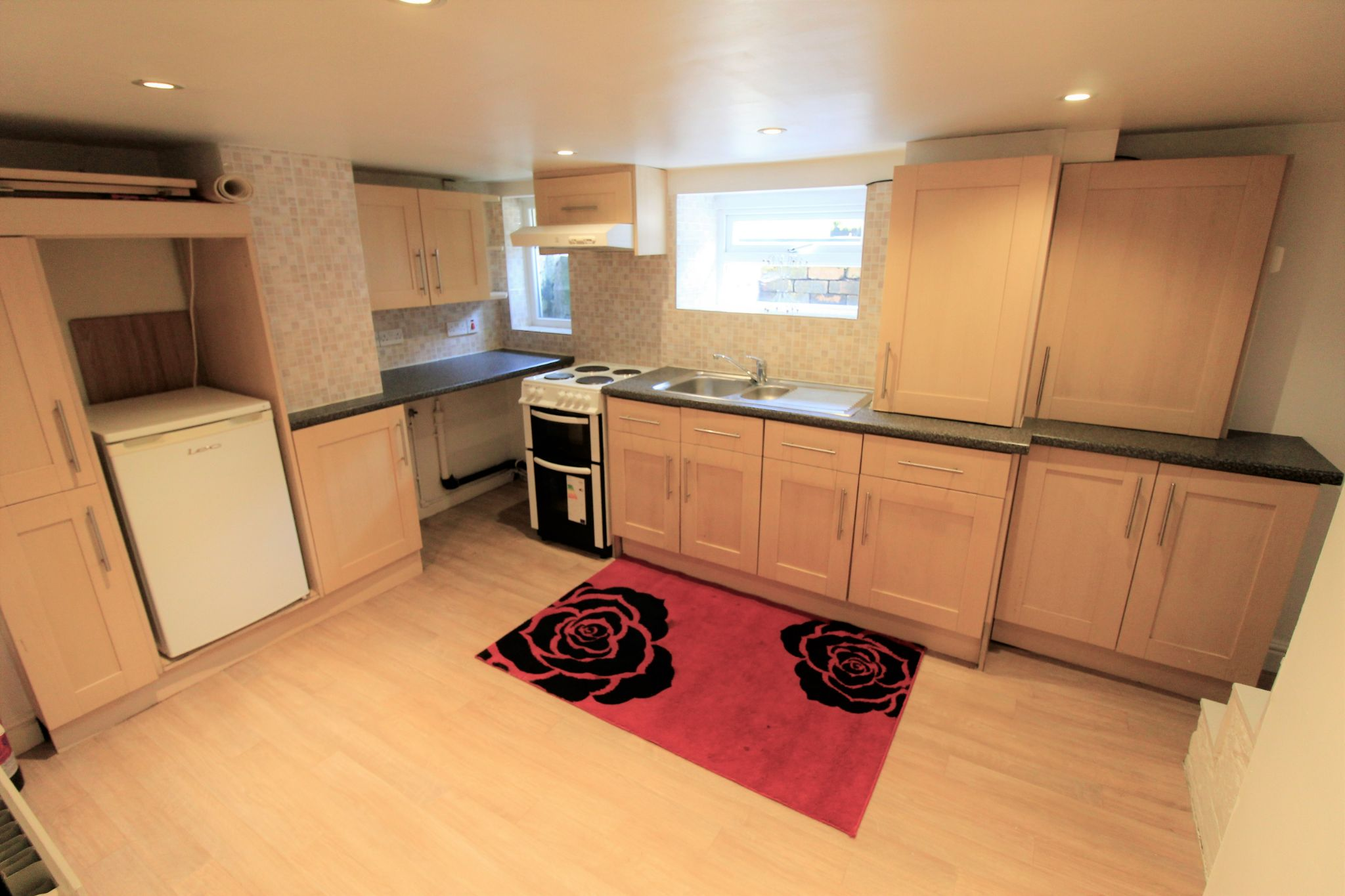 1 bedroom maisonette flat/apartment To Let in Huddersfield - Dining kitchen