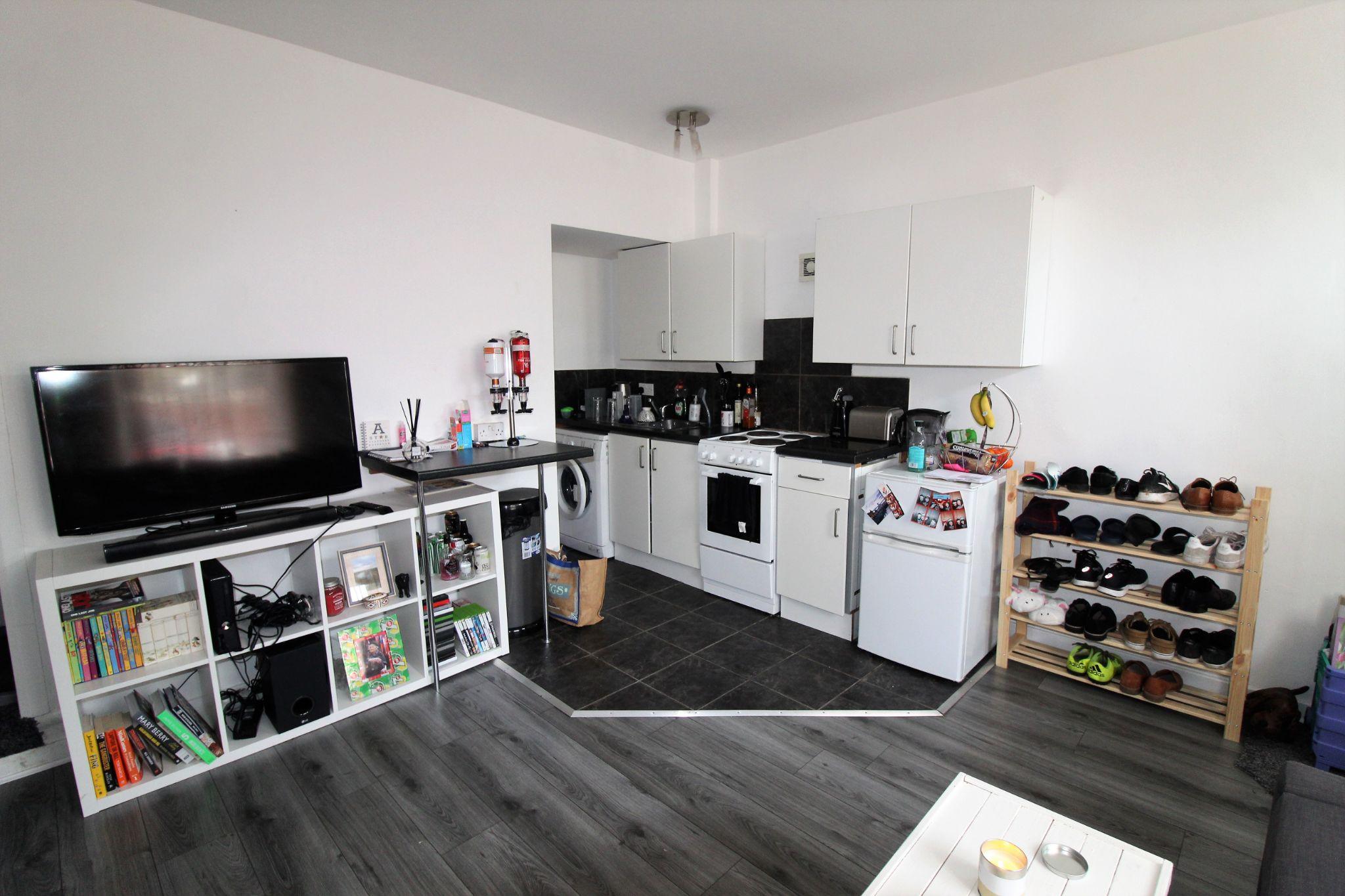 1 bedroom mid terraced house For Sale in Brighouse - Property photograph