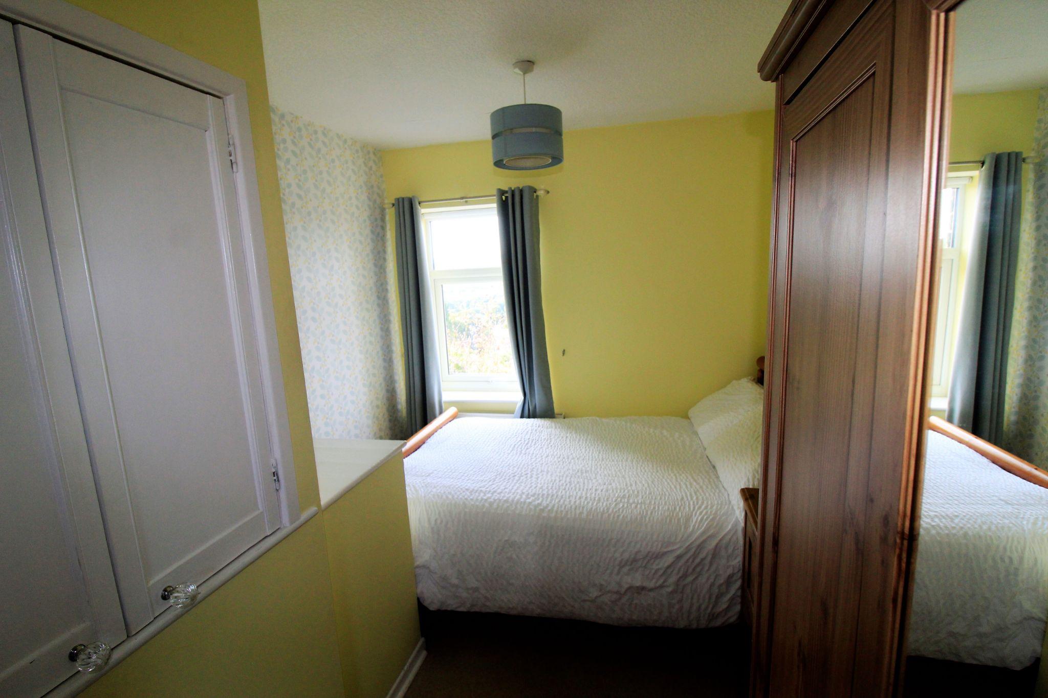 2 bedroom cottage house SSTC in Huddersfield - Bedroom 2
