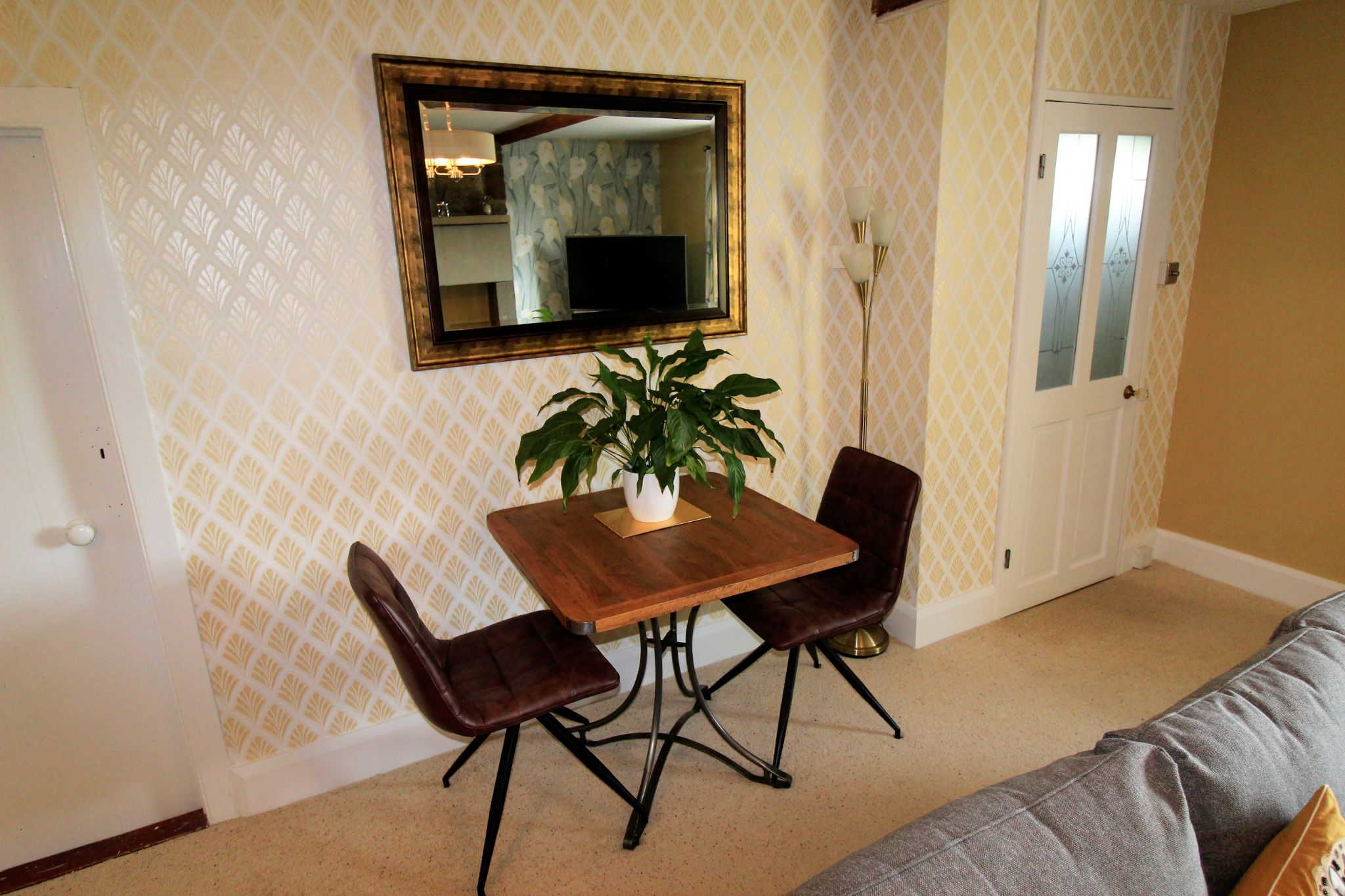 2 bedroom cottage house SSTC in Huddersfield - Dining area
