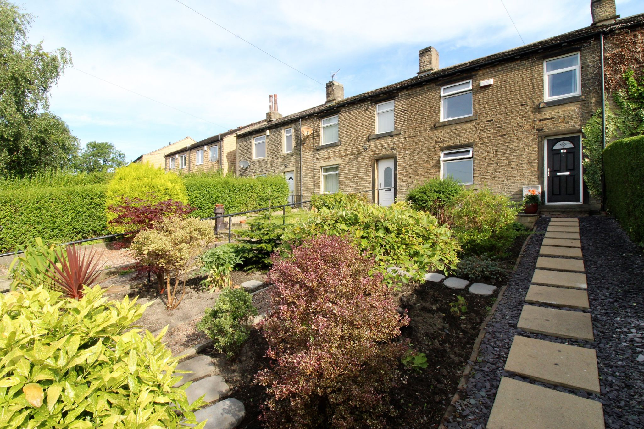 2 bedroom cottage house SSTC in Huddersfield - View of the front of the property