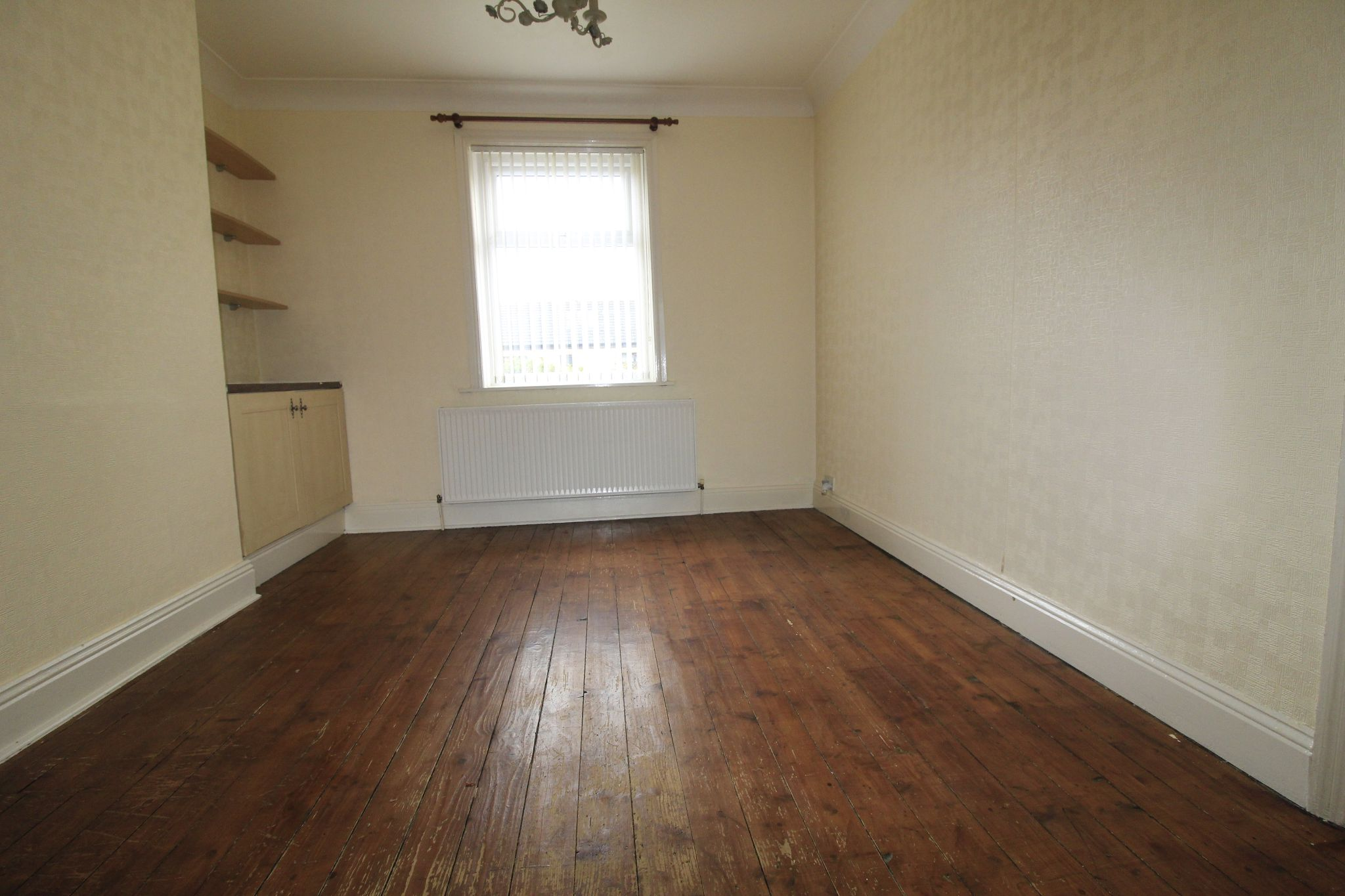 3 bedroom end terraced house Let in Bradford - Dining area